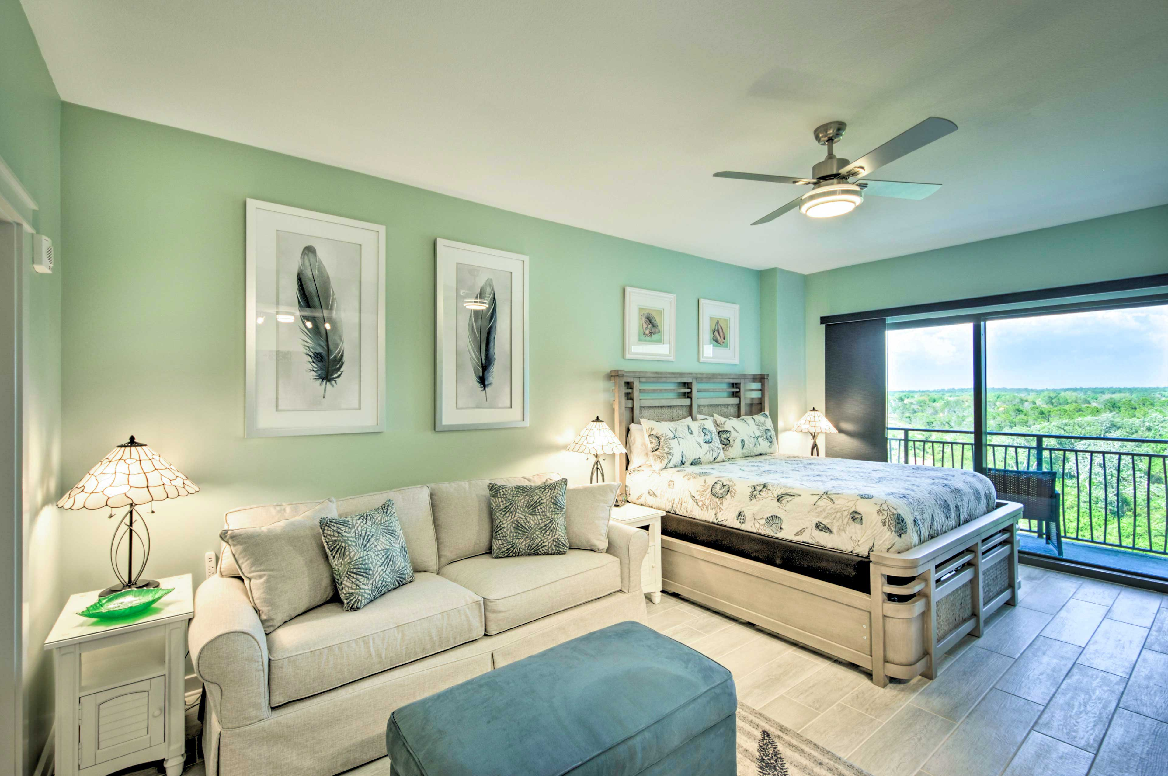 Studio | King Bed | Queen Sleeper Sofa