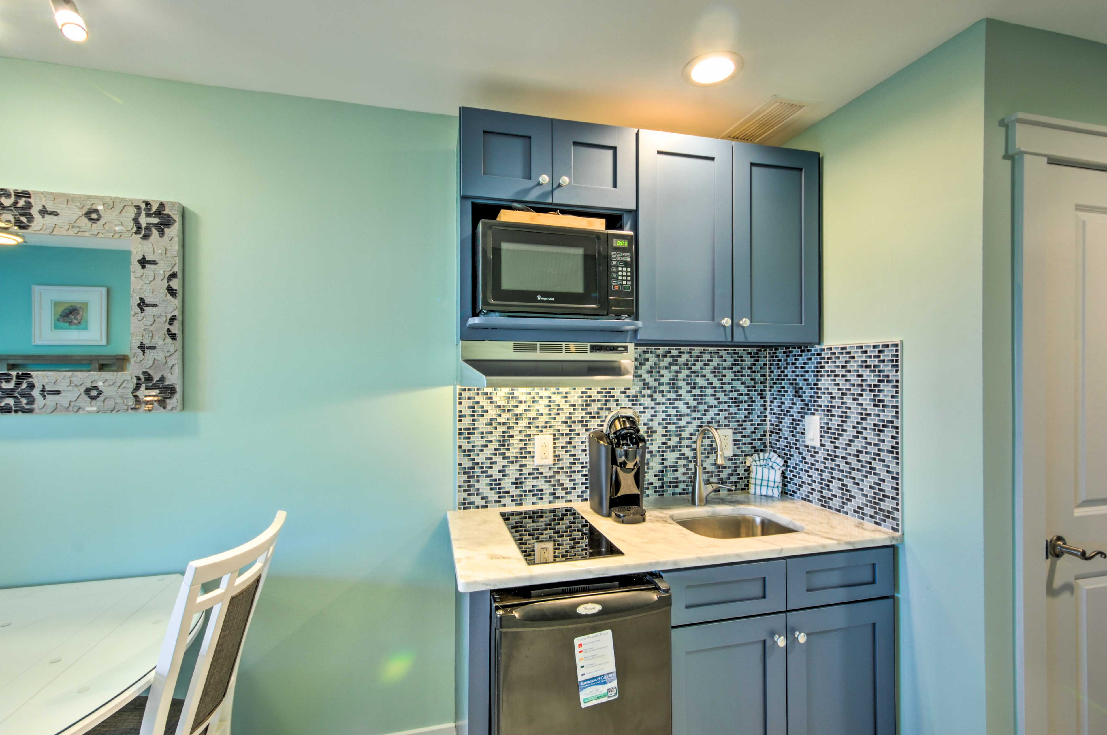 Kitchenette | Well-Equipped