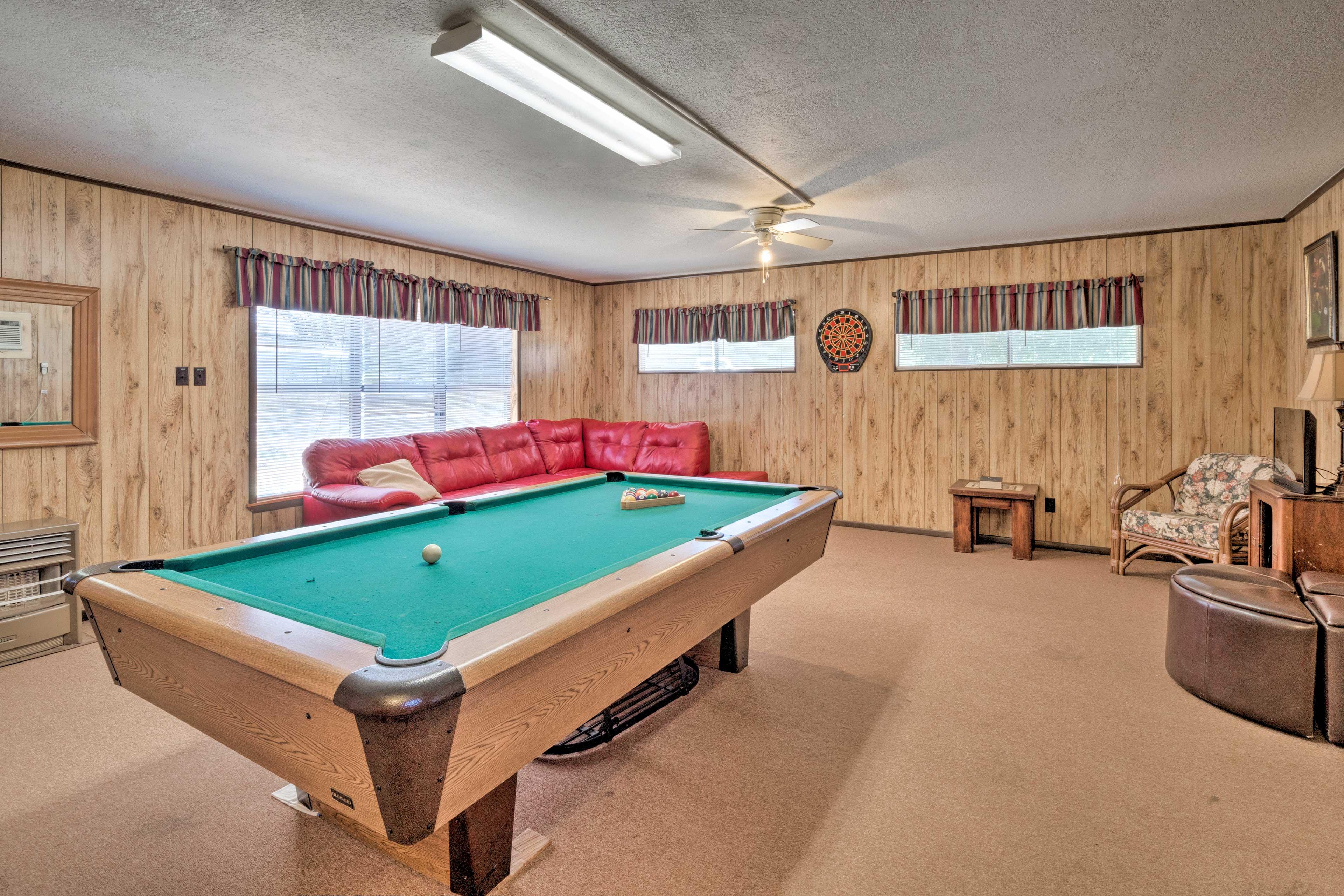 Game Room   Pool Table   Dartboard