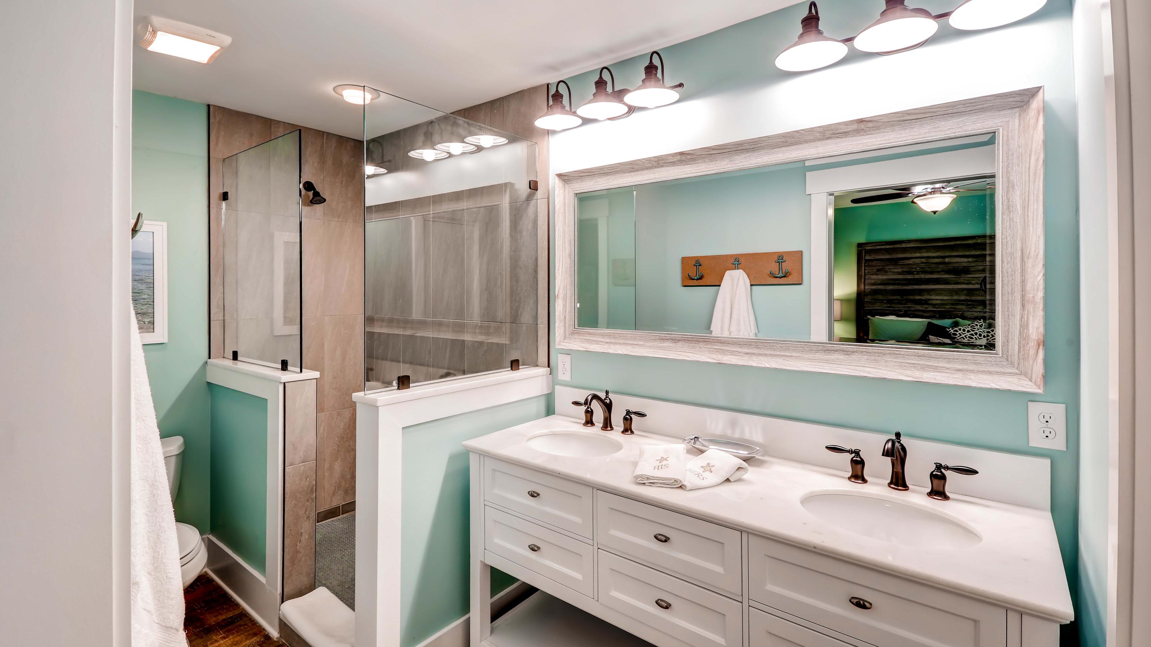 Full Bathroom | Dual Sinks | Walk-In Shower | Towels Provided
