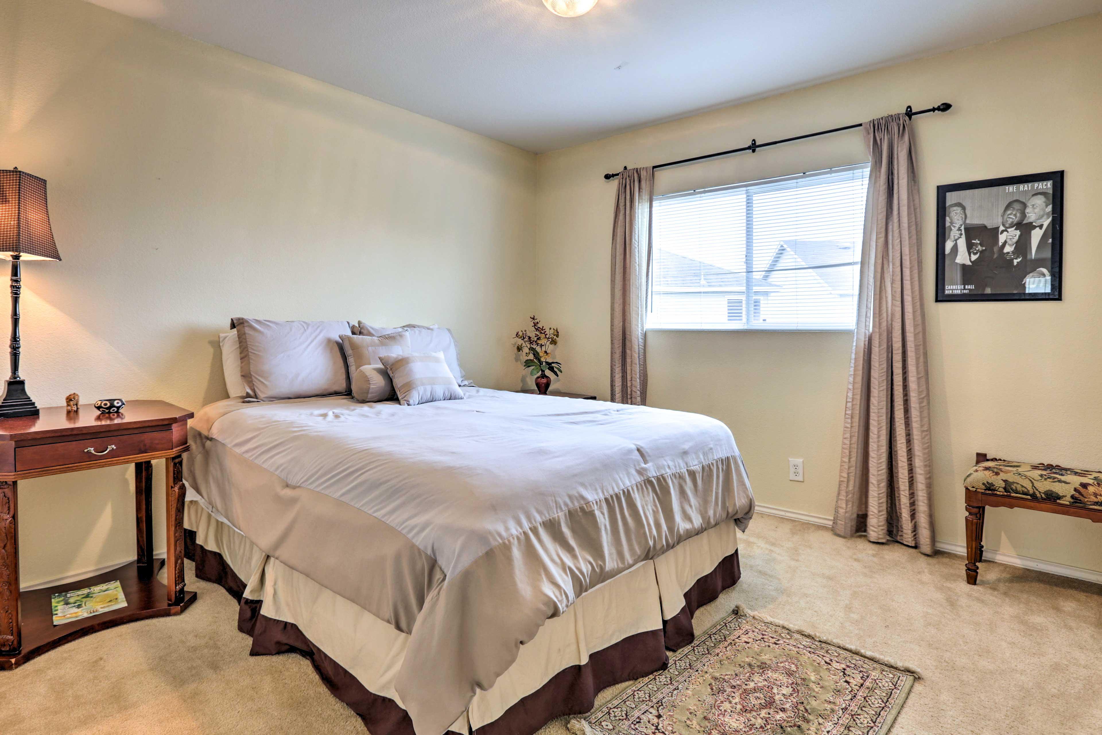 Bedroom 2 | 2nd Floor | Queen Bed