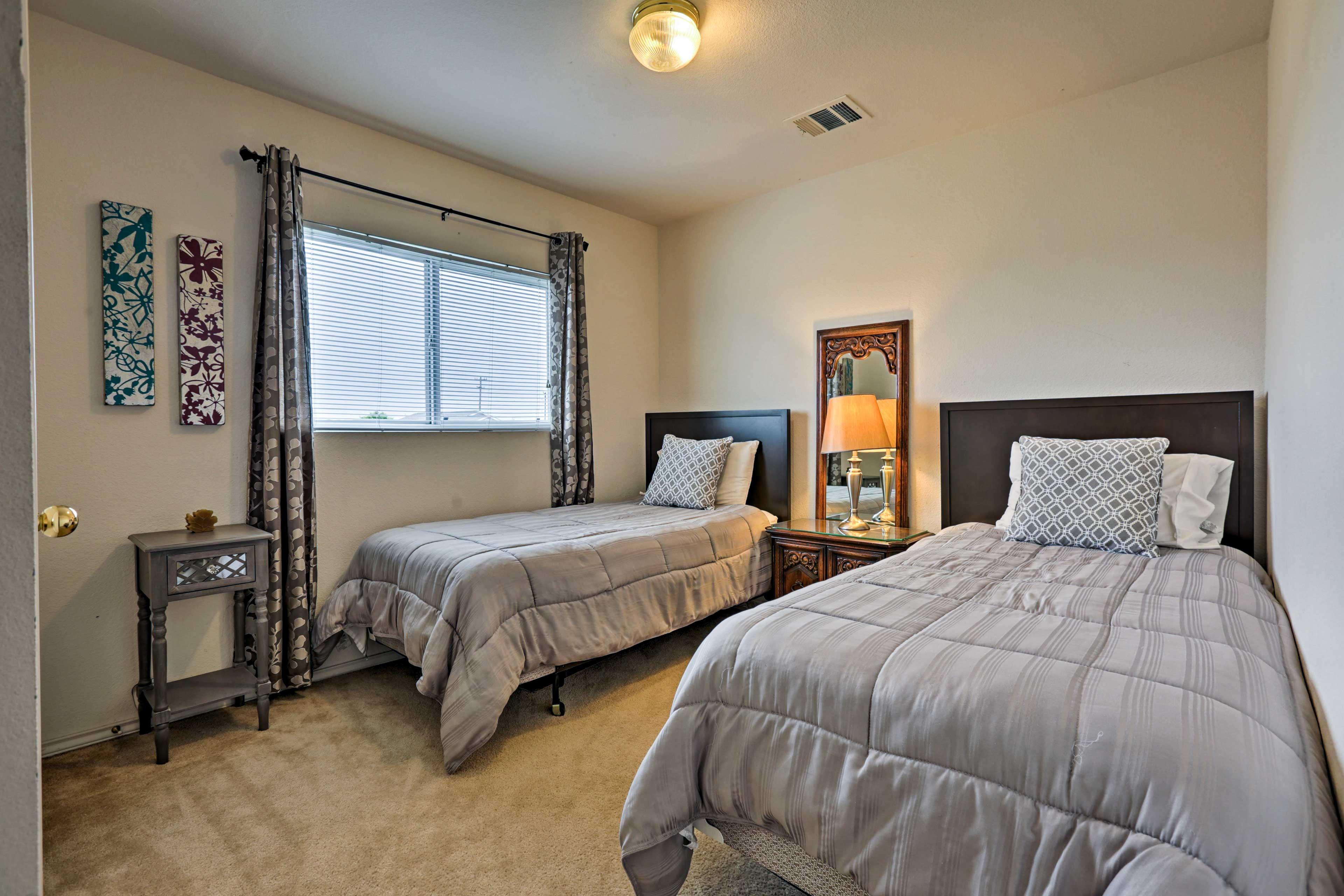 Bedroom 3 | 2nd Floor | 2 Twin Beds