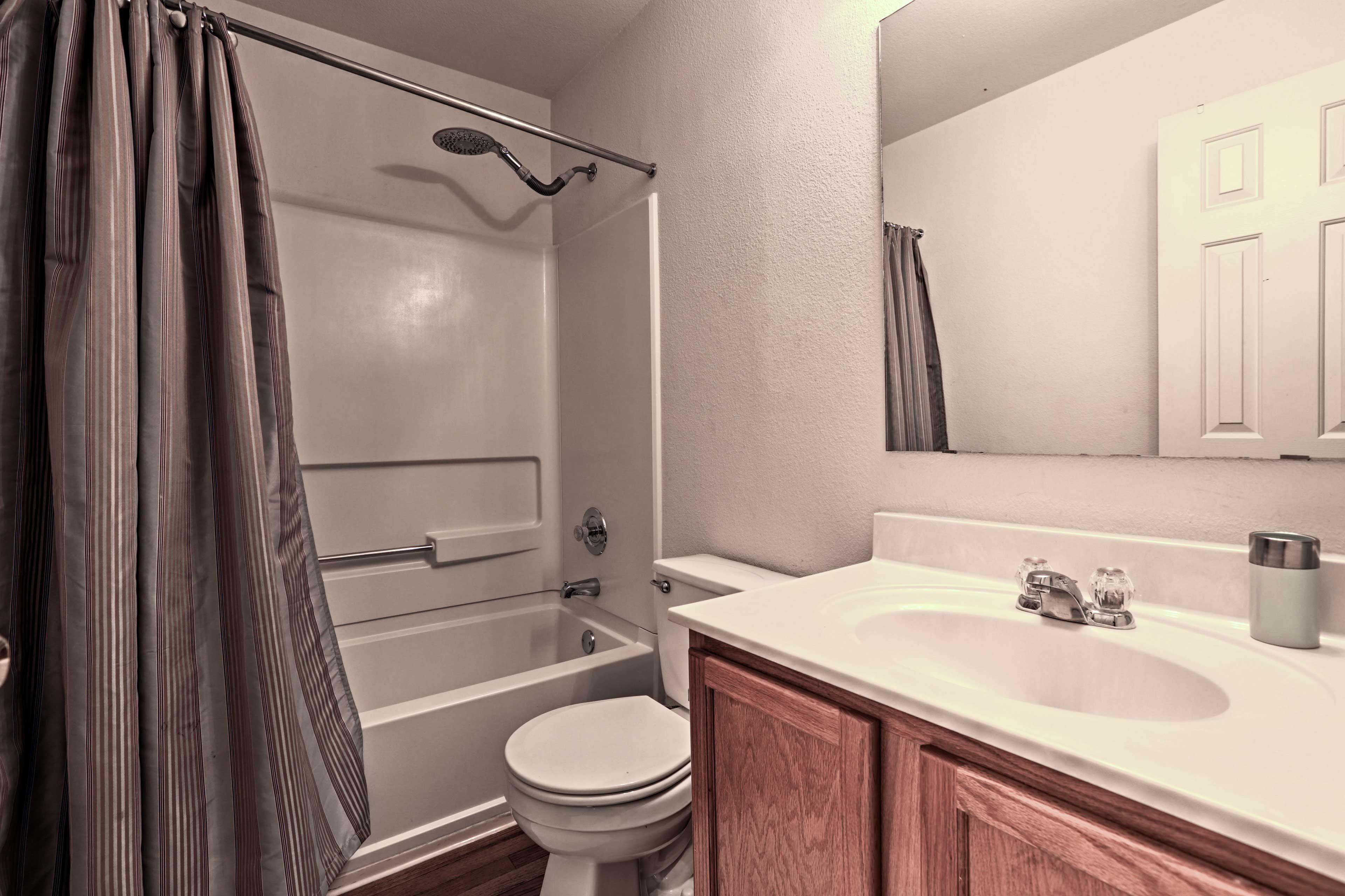Bathroom | 2nd Floor