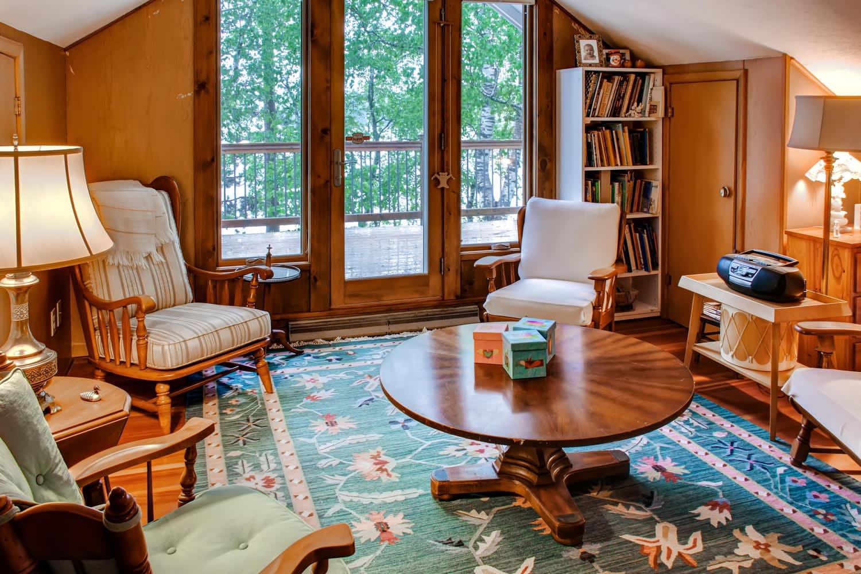 Lounge | Second Floor