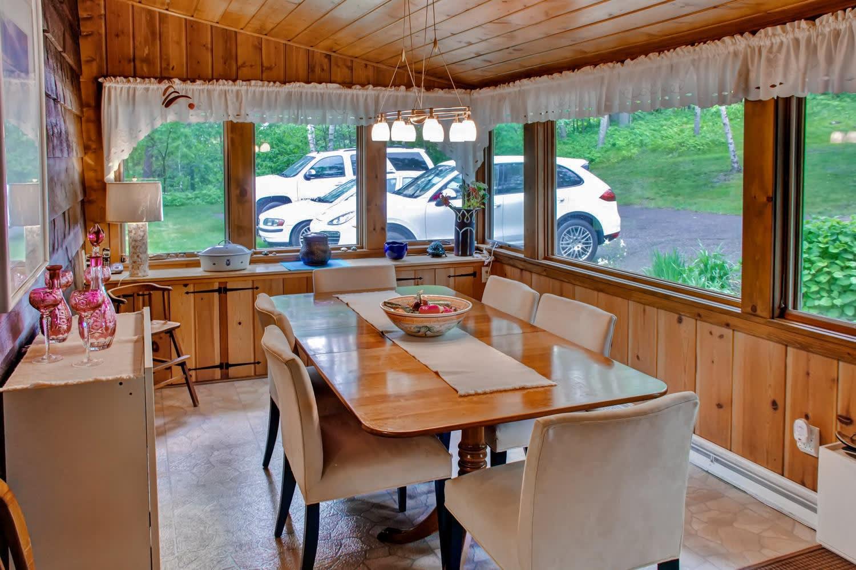 Dining Room | Free WiFi