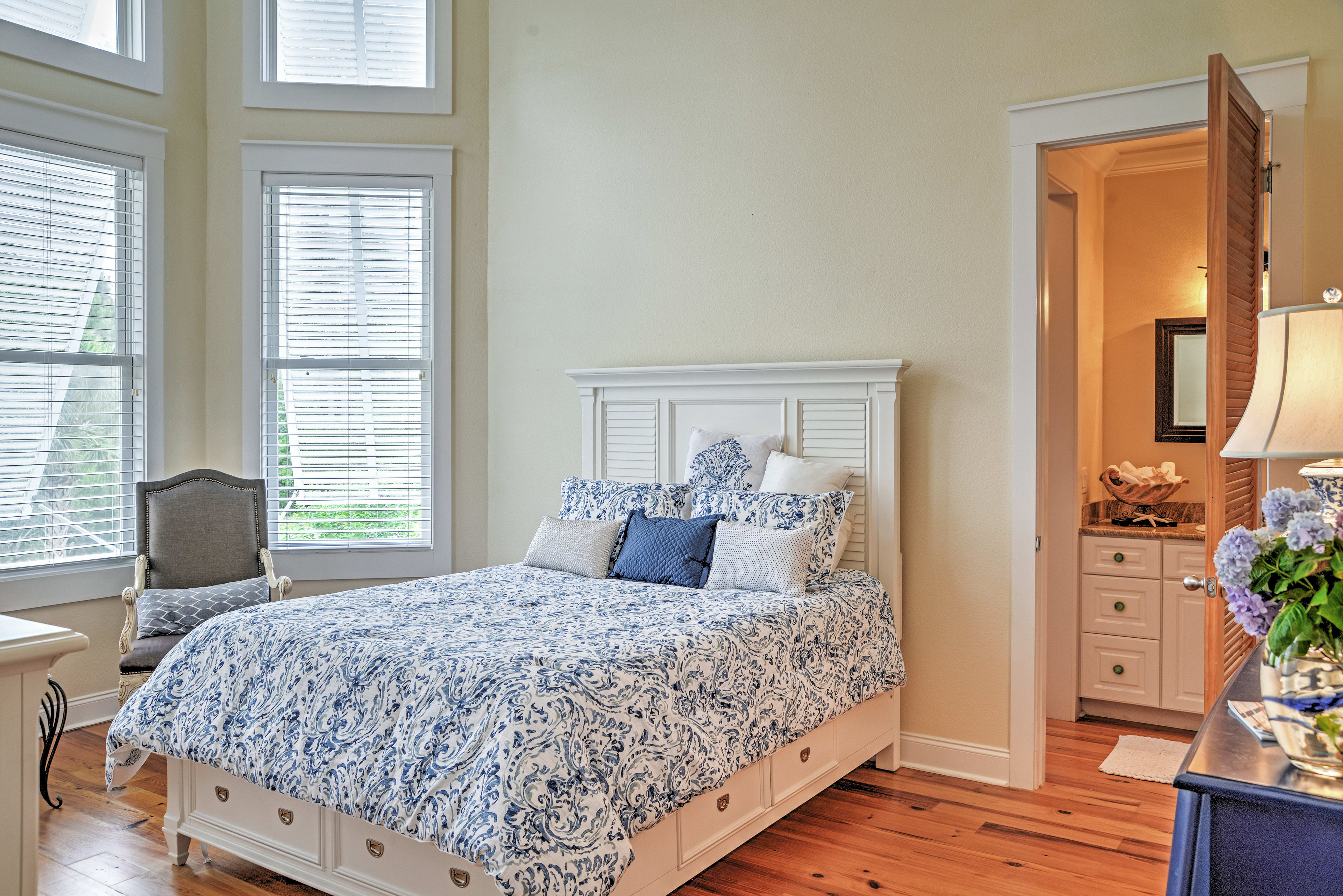 Every bed in this house boasts cozy linens!
