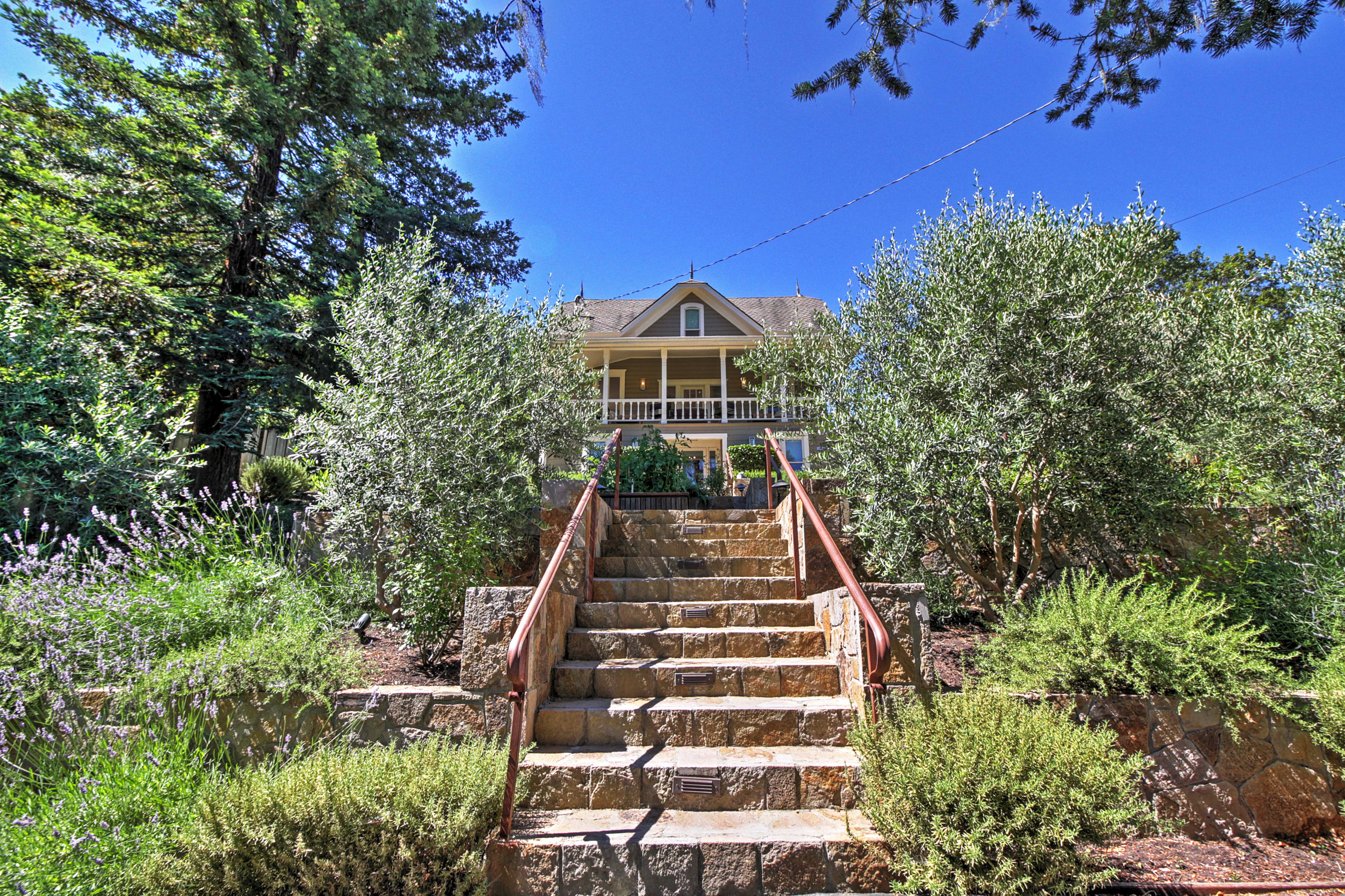 Get away to this Calistoga vacation rental house today!