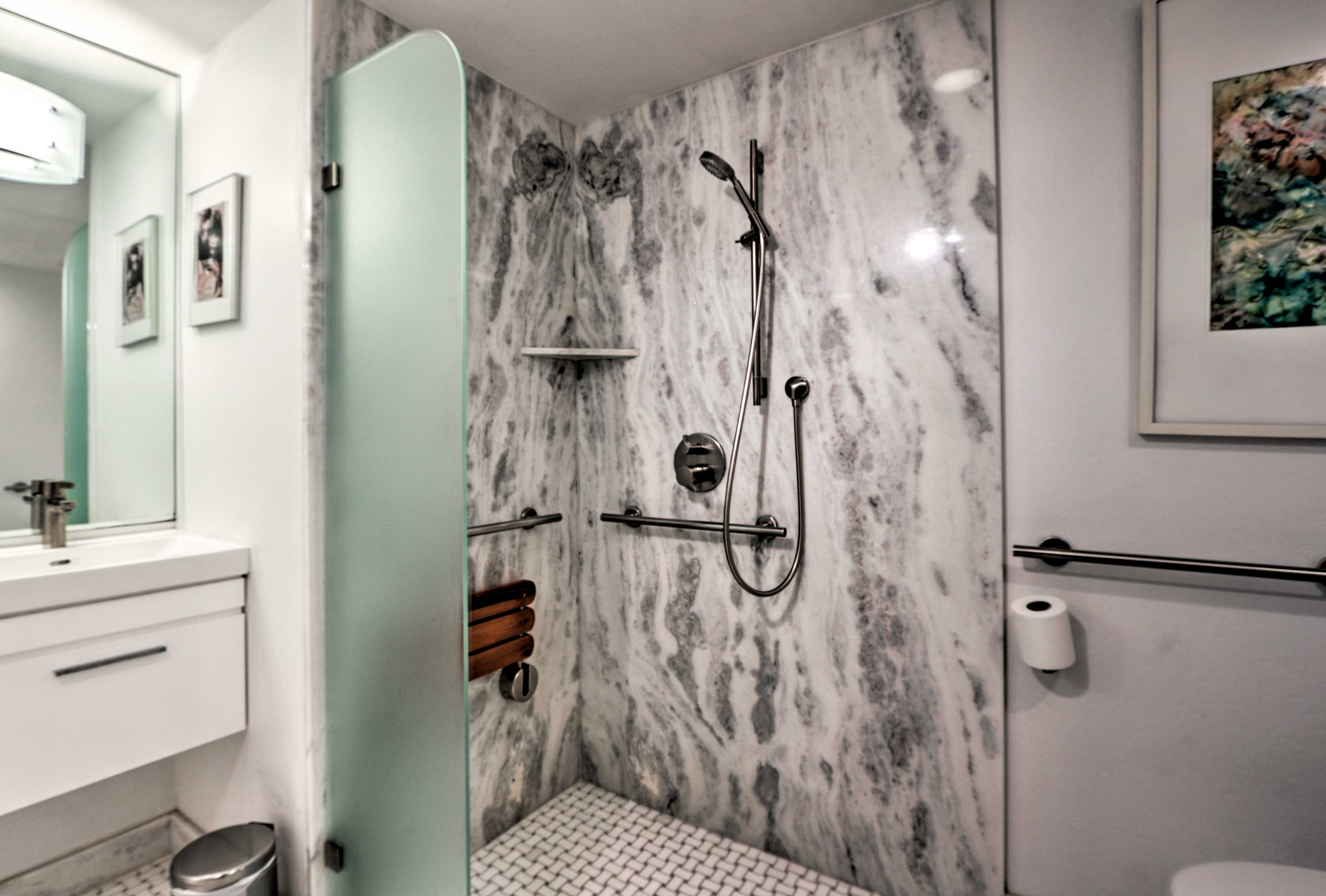 There's even a convenient walk-in shower with bench seating.