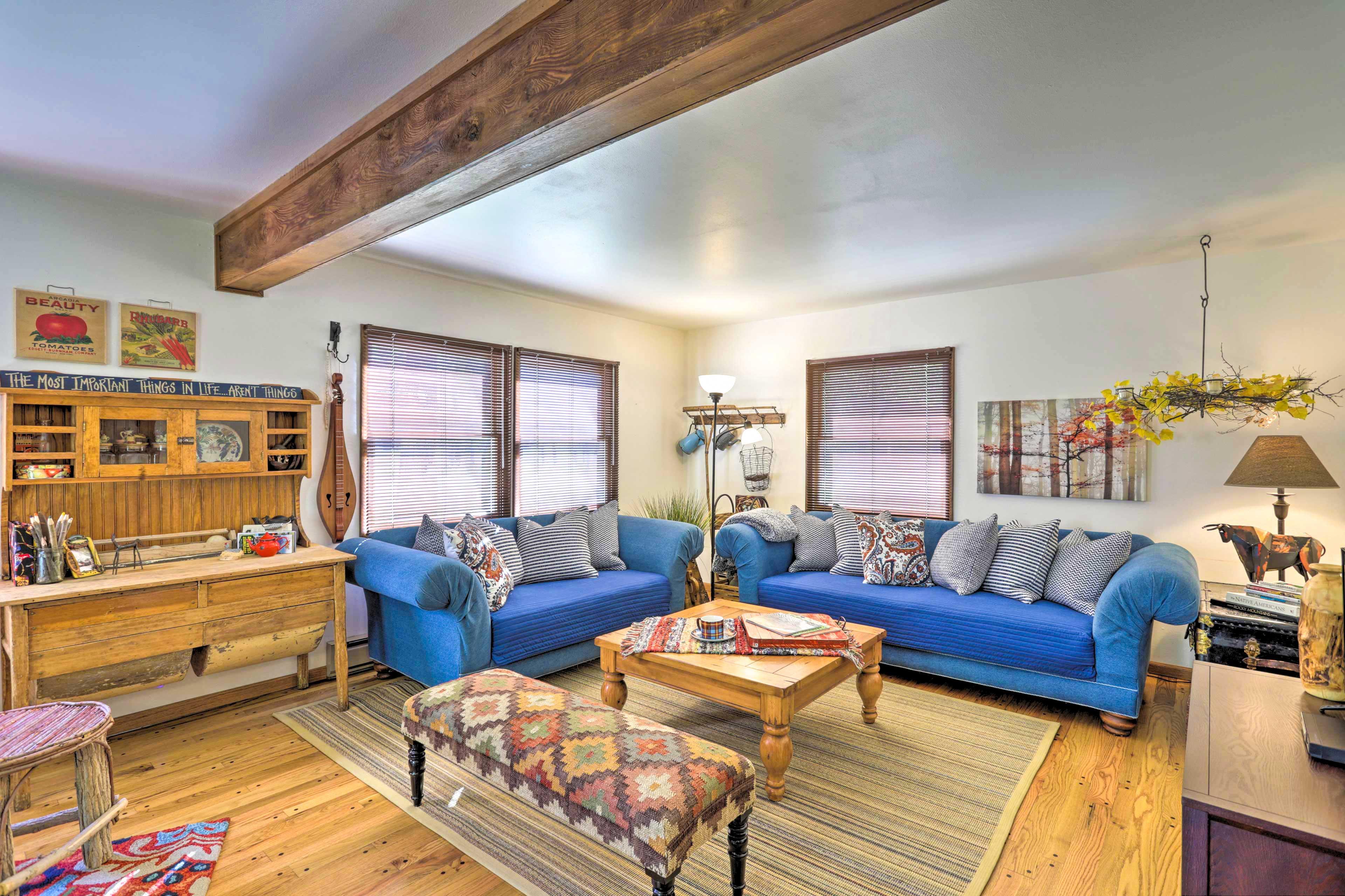 Cottage Interior   Open Layout