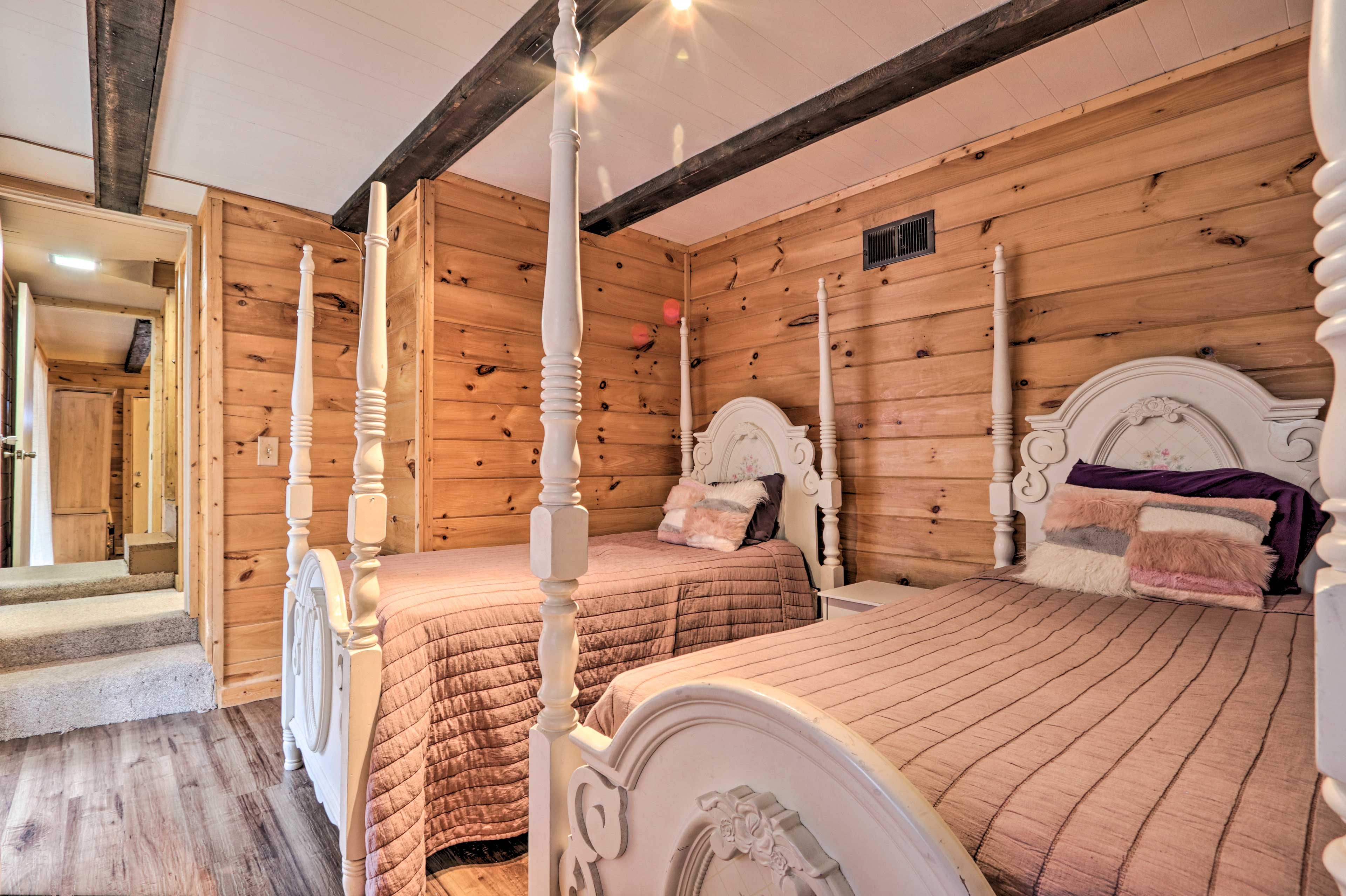 Bedroom 3 | 2 Twin Beds | Linens Provided | Lower Level