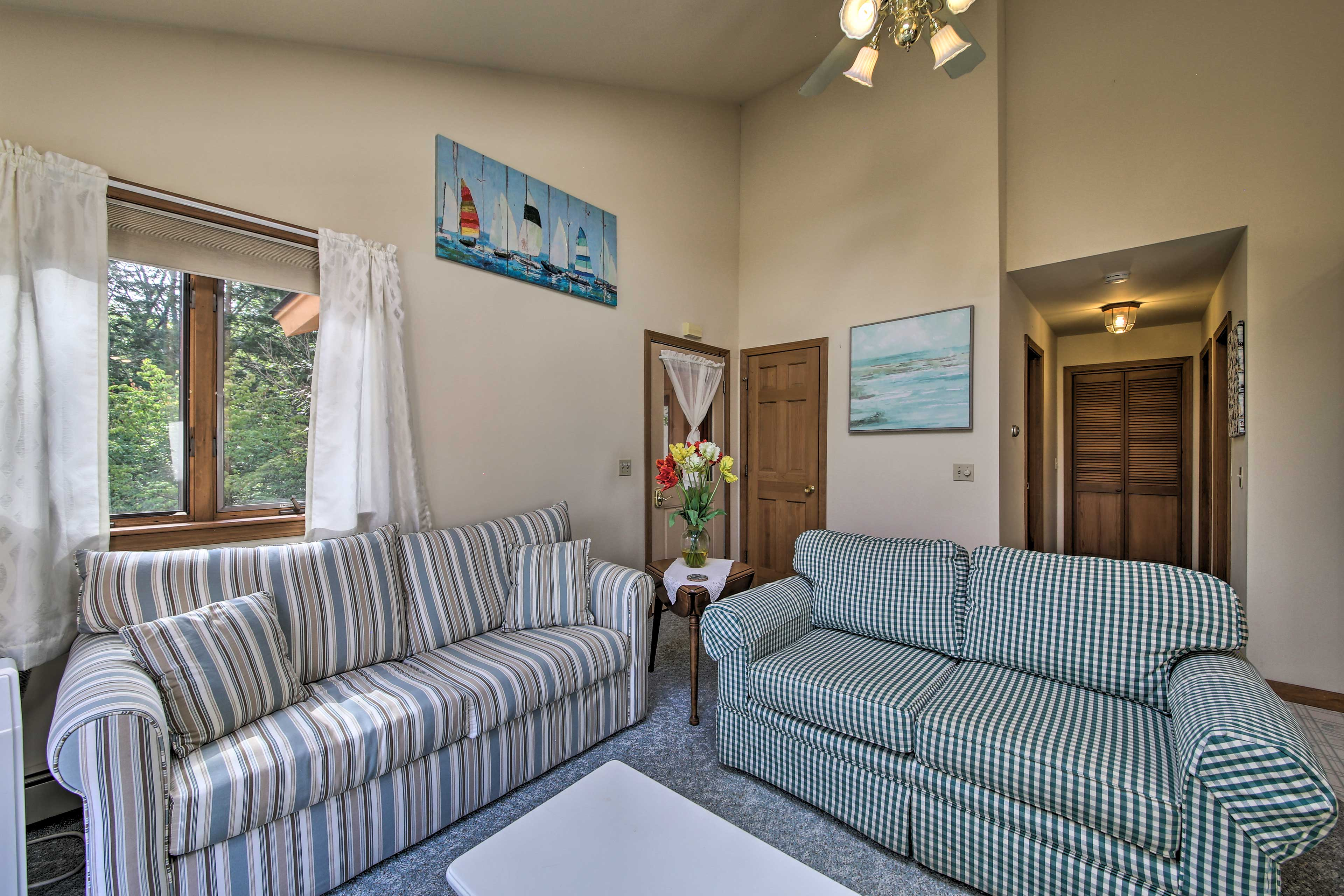 Living Room | Free WiFi | Air Conditioning
