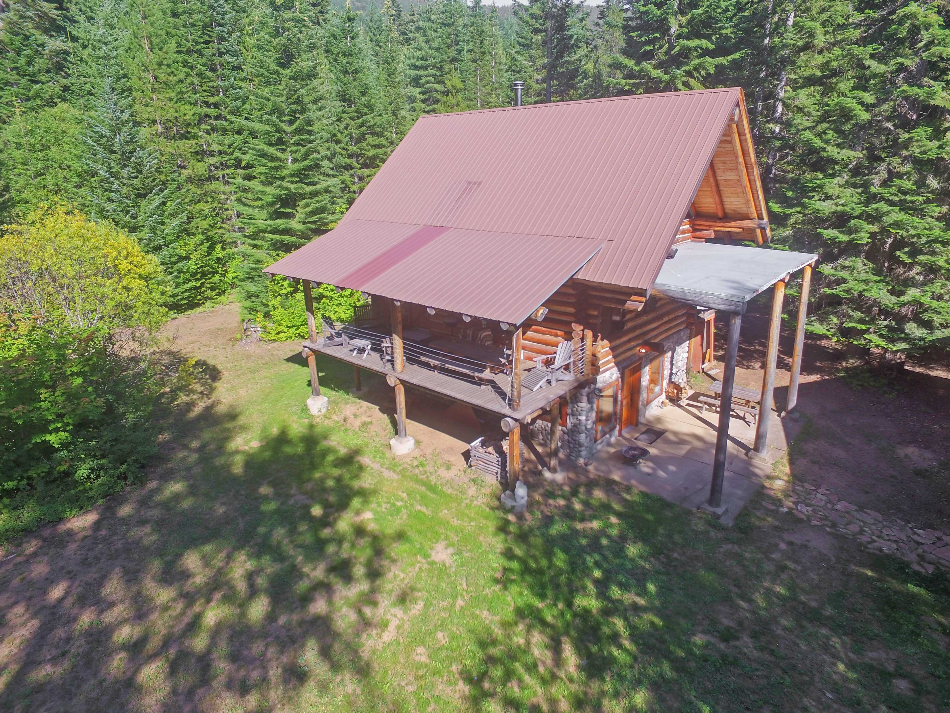 Leave all of your realities behind with this Easton vacation rental cabin!
