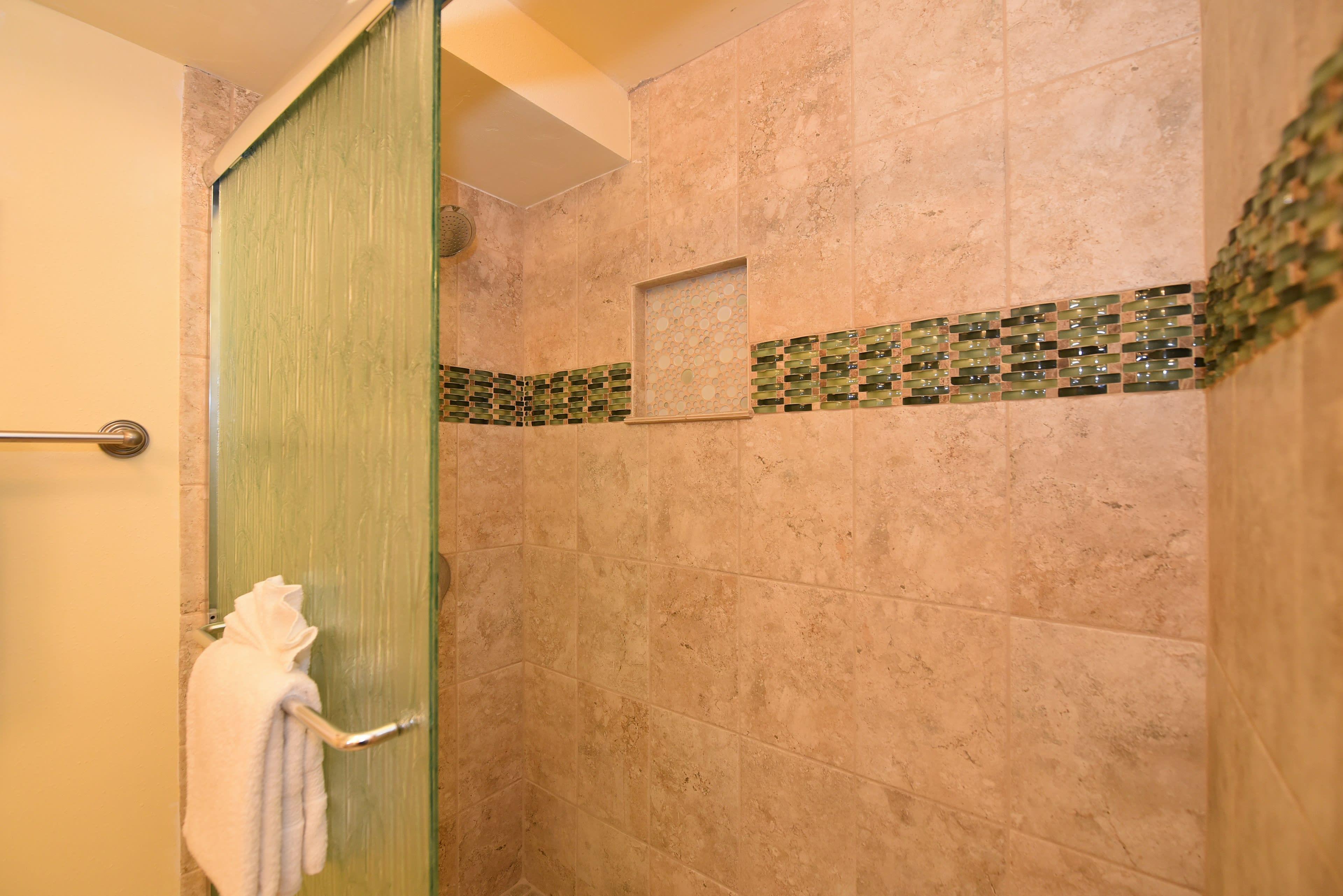 Full Bathroom   Grab Rails
