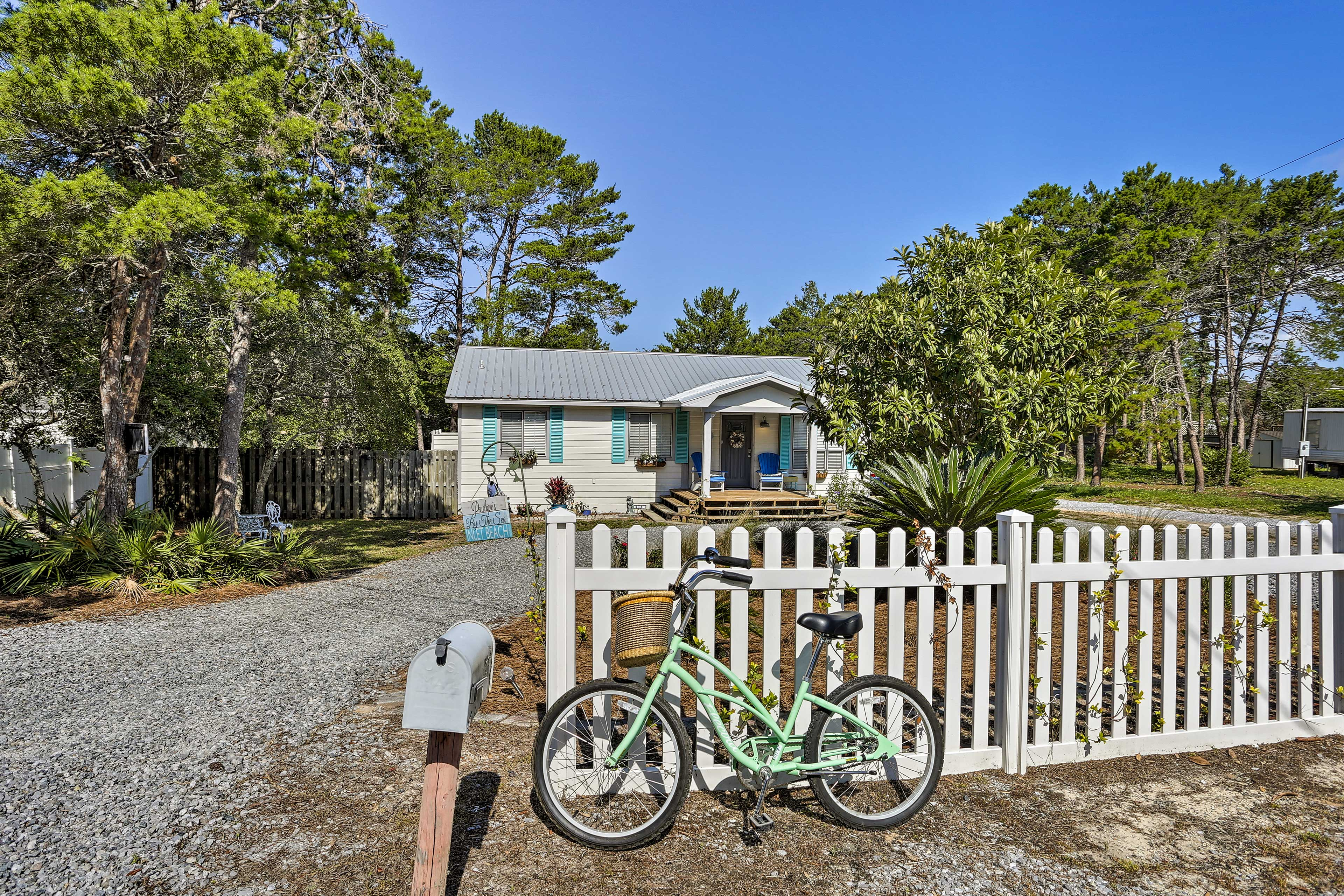 Bring along a bicycle for an easygoing cruise along the peaceful roads.