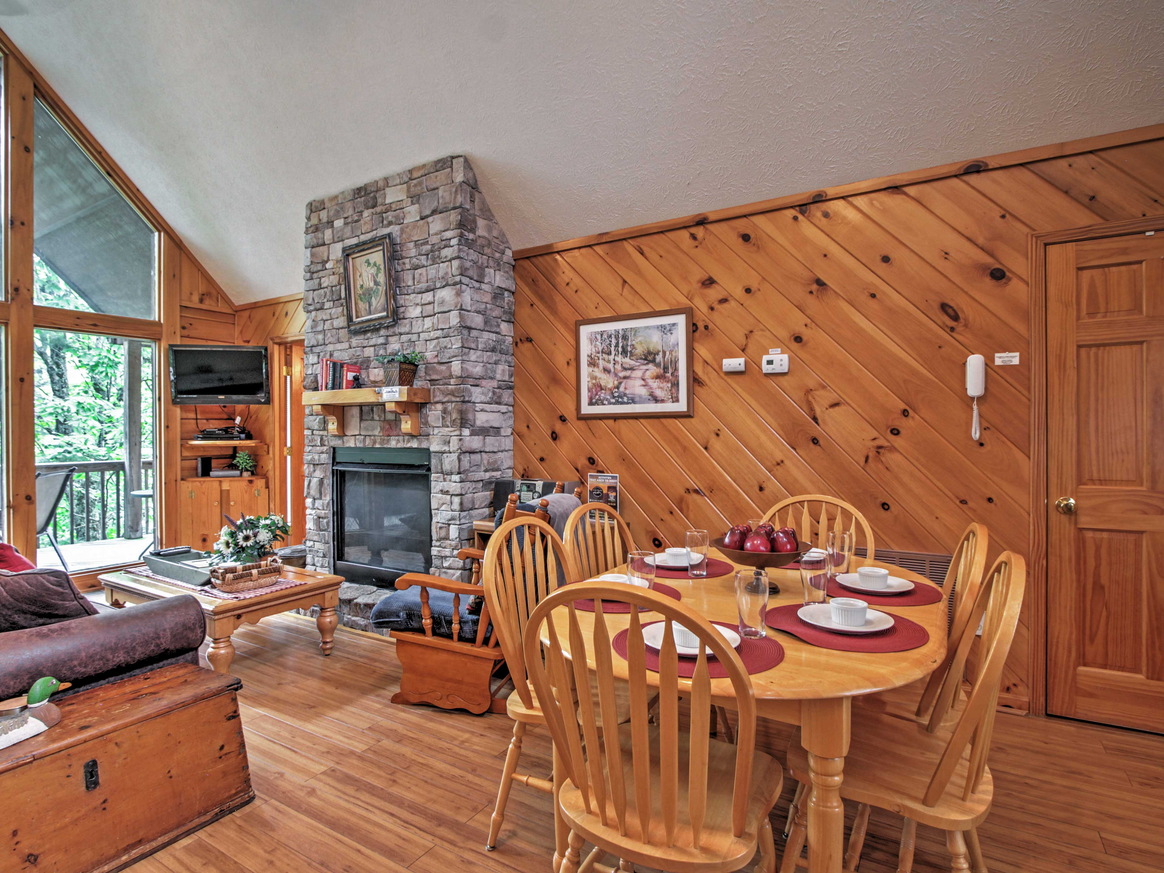 You'll love the charming cabin decor.