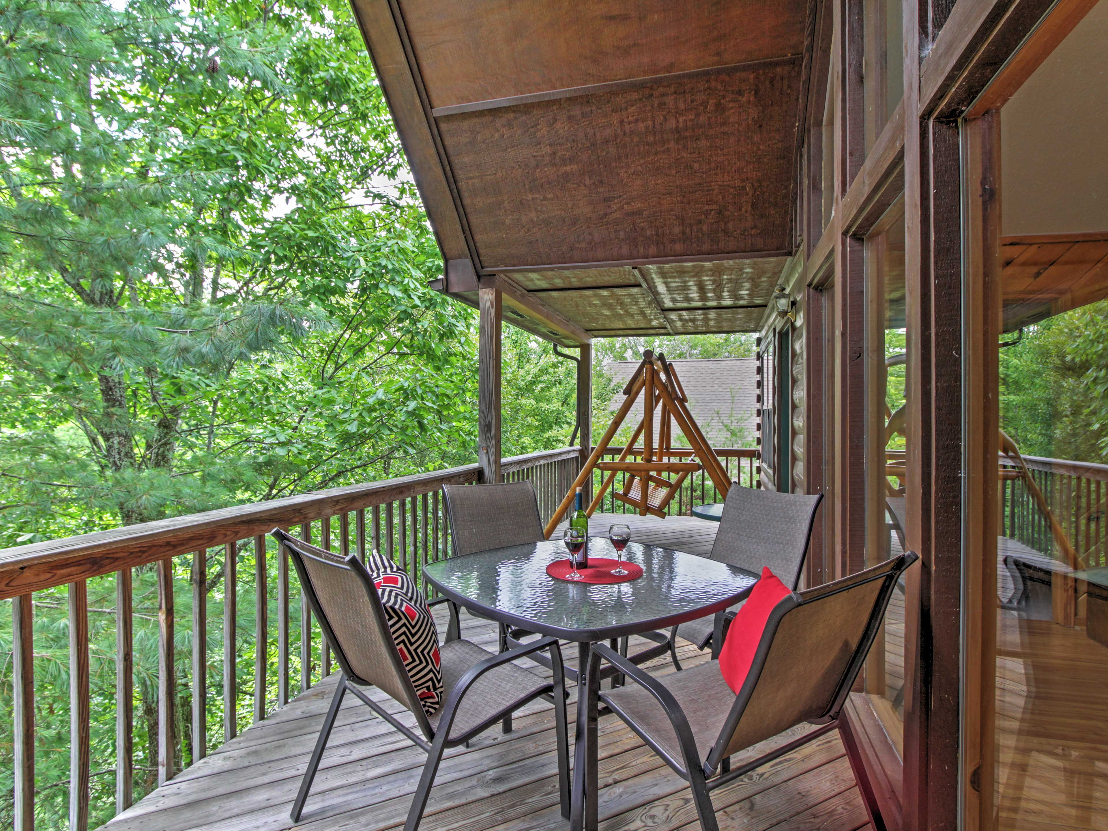 Share meals al fresco or swing while enjoying the views!