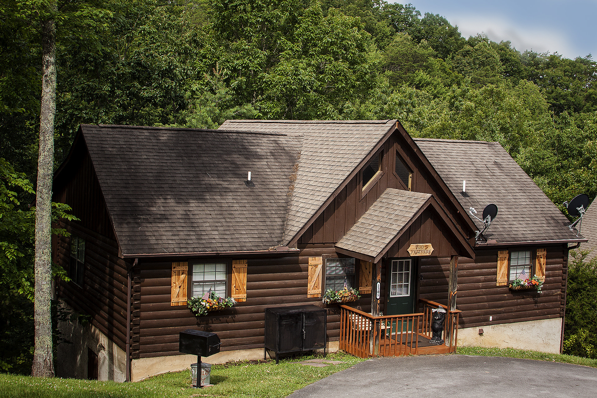 Have the quintessential Pigeon Forge Area retreat at this vacation rental cabin.