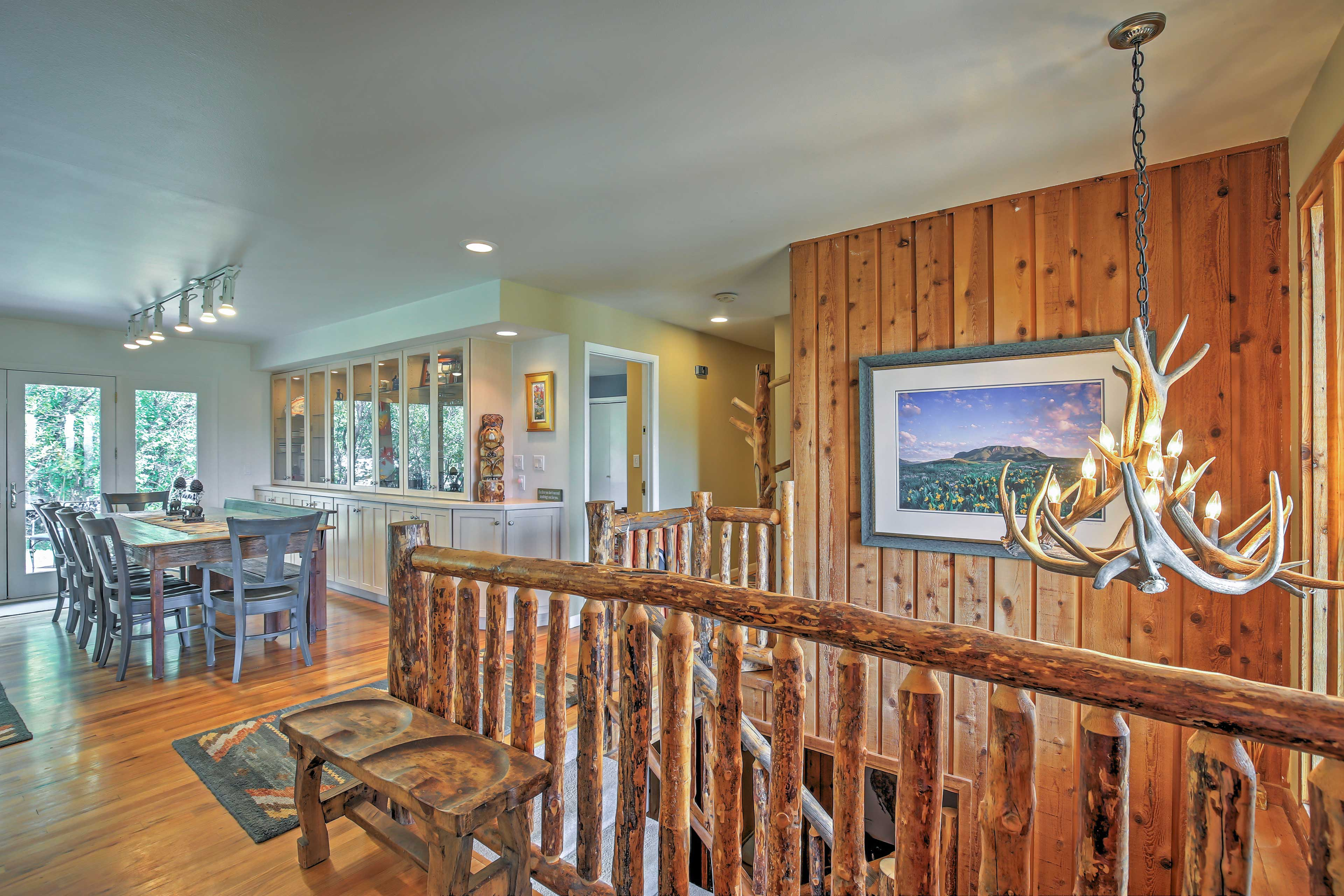 Unique wood decor ties together this quintessentially Colorado space.