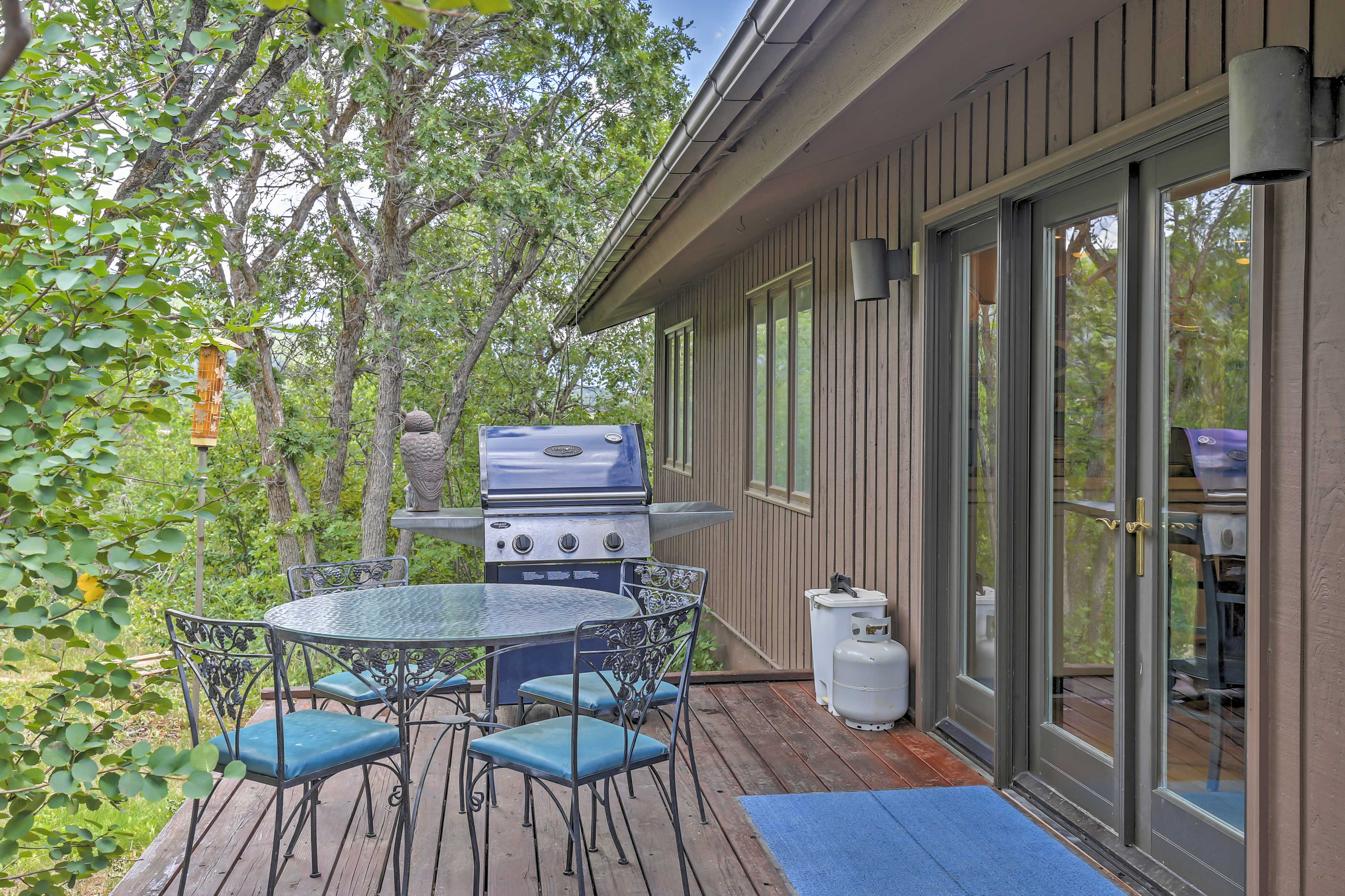 Host a family cookout on the deck!
