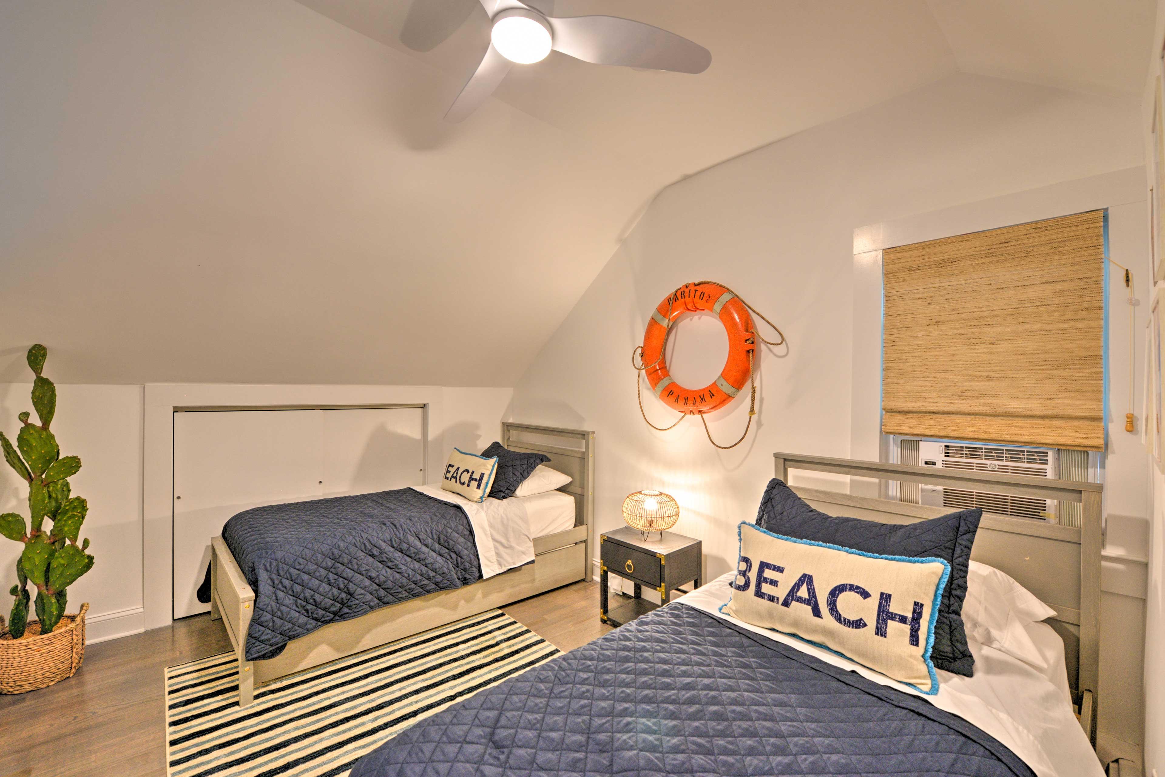 Loft | 2 Twin Beds