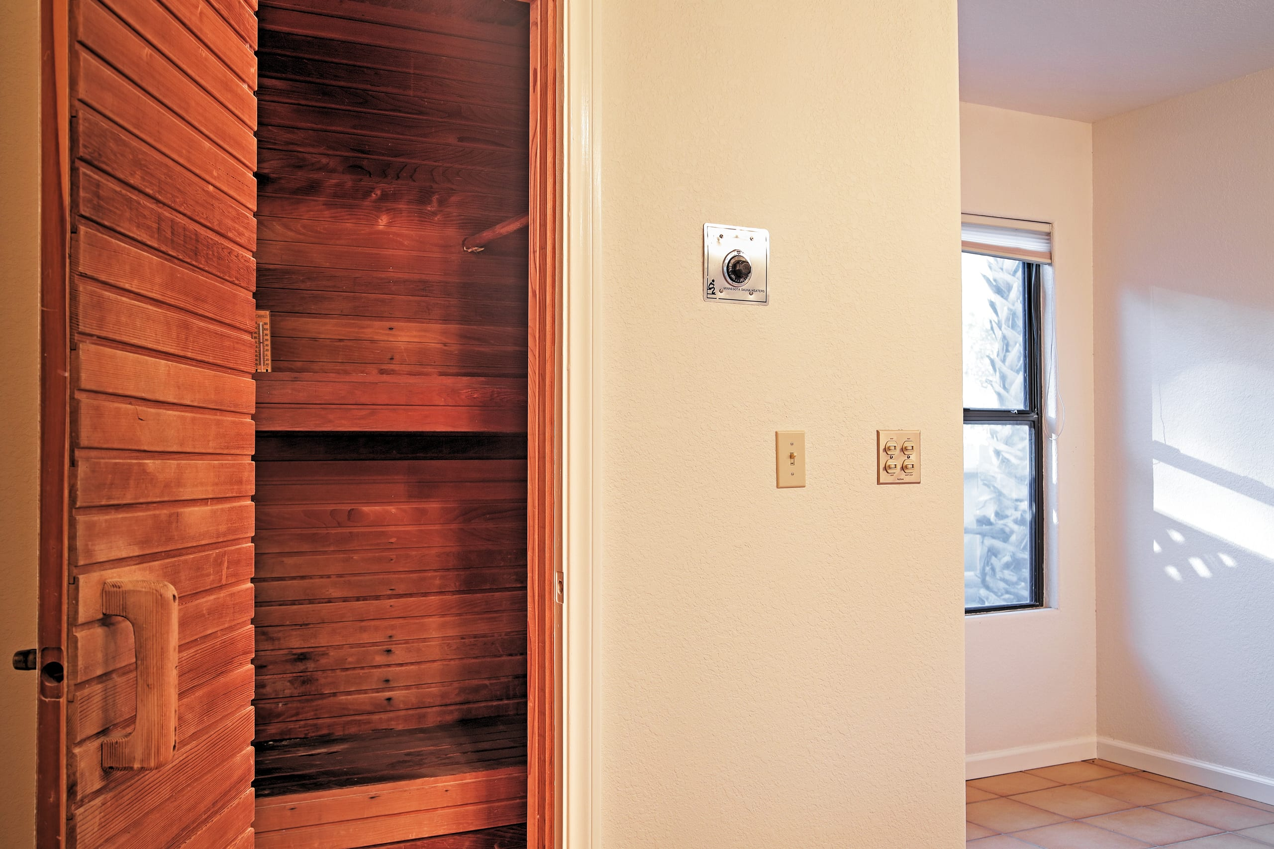 Step into the relaxing sauna to sweat all your troubles away!