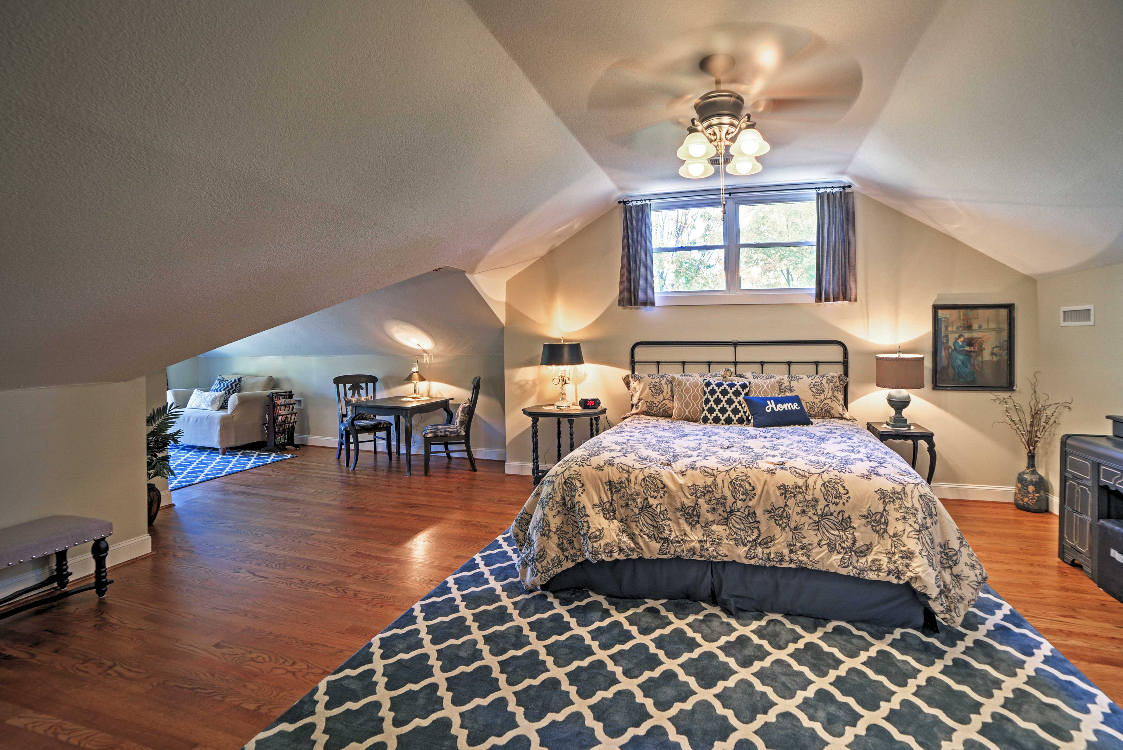 This bedroom now features a king bed and 2 twin beds.