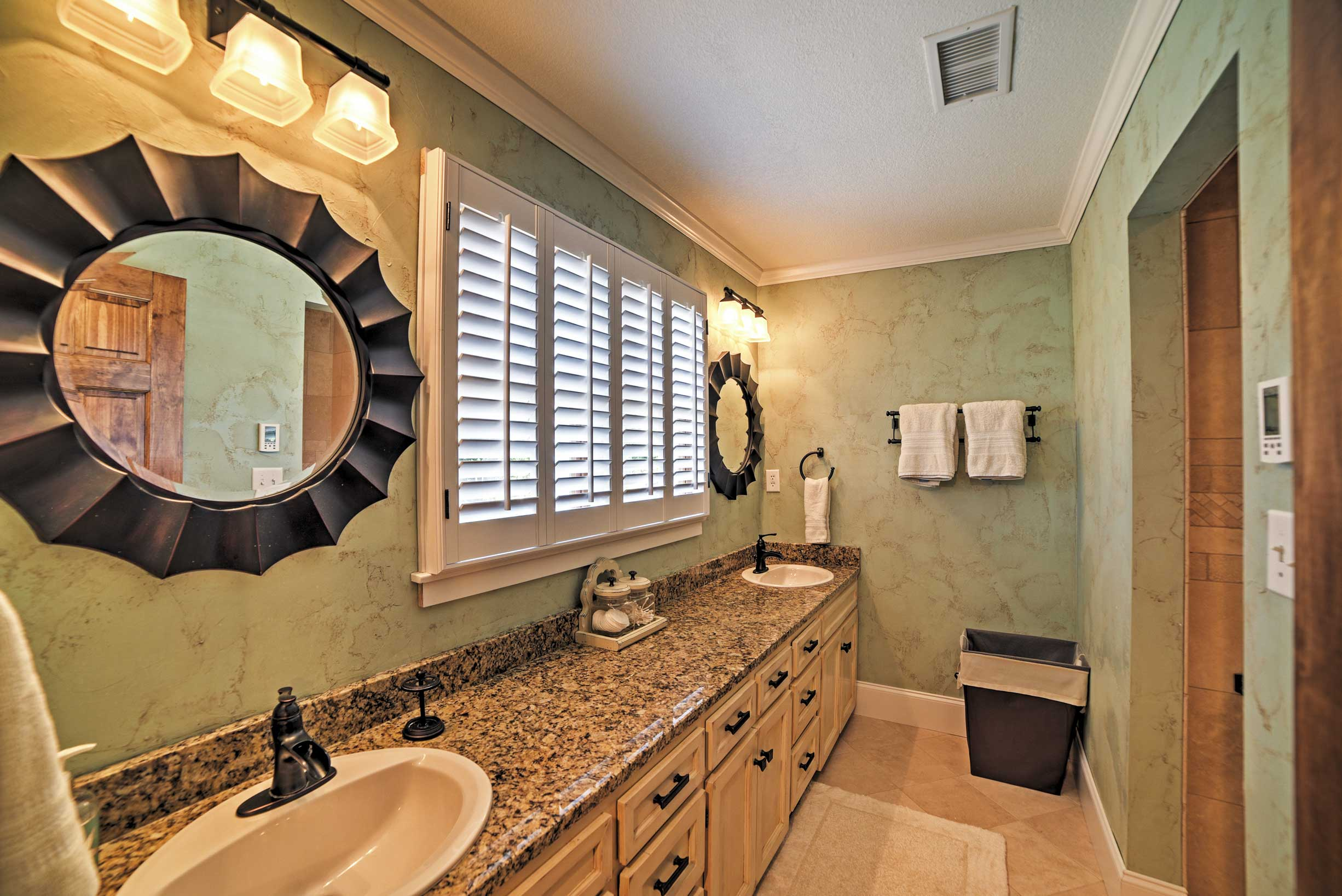 This home features 4.5 bathrooms.
