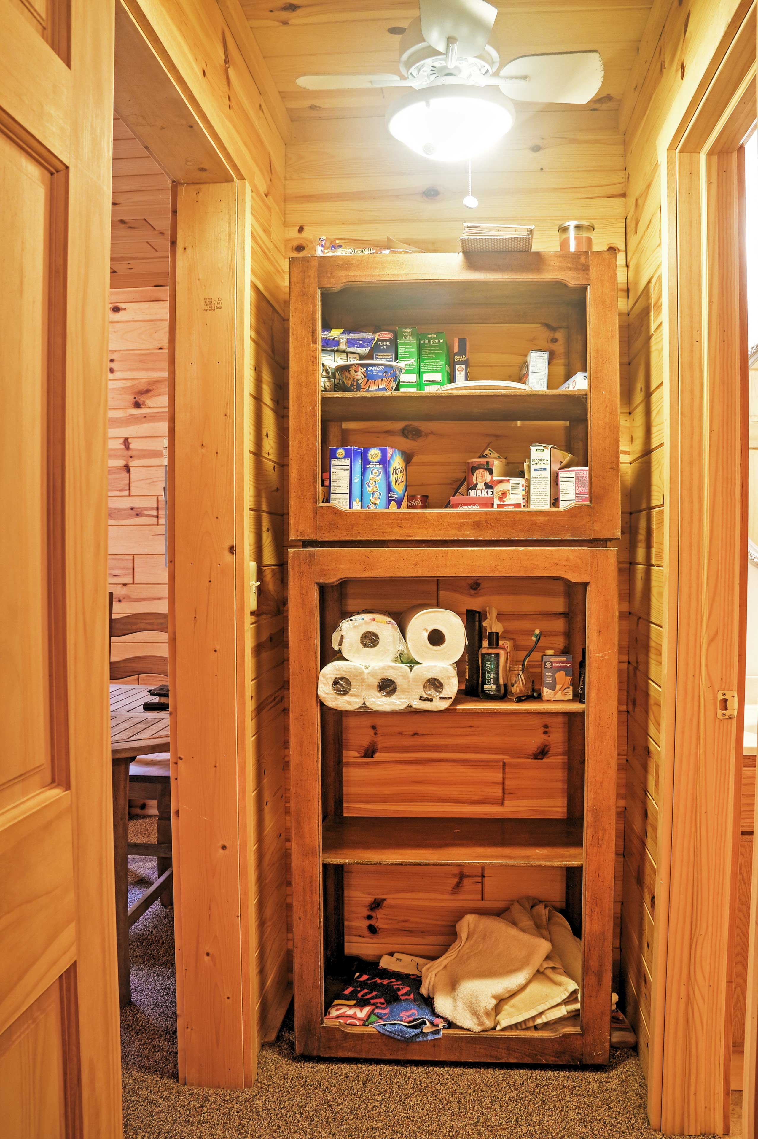 There's plenty of storage space and various amenities for you to use at this fantastic cabin!