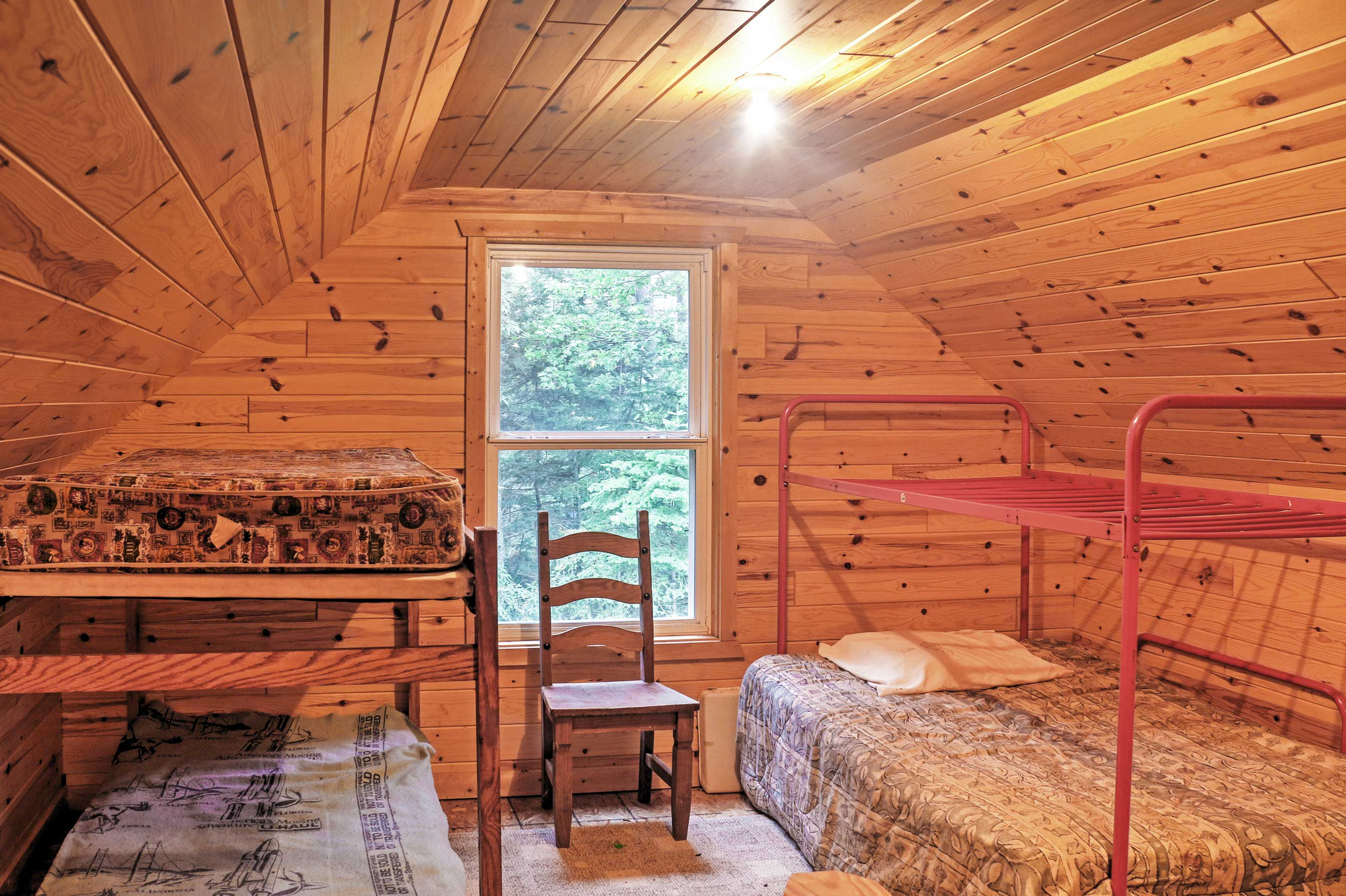 Kids will love choosing between the top and bottom of these bunk beds!