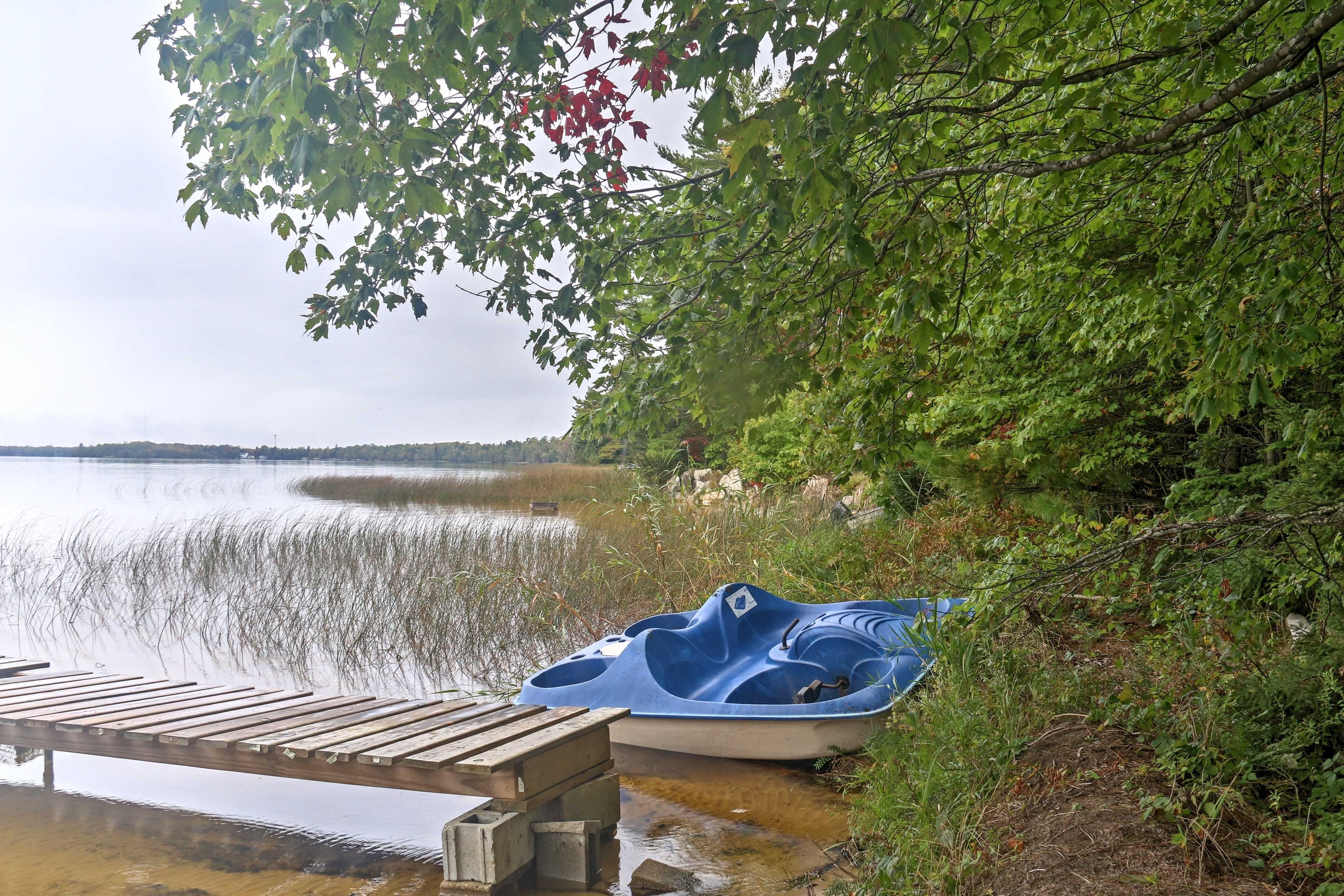 Situated beside Lake Milakokia, this lakefront cabin features a private dock.