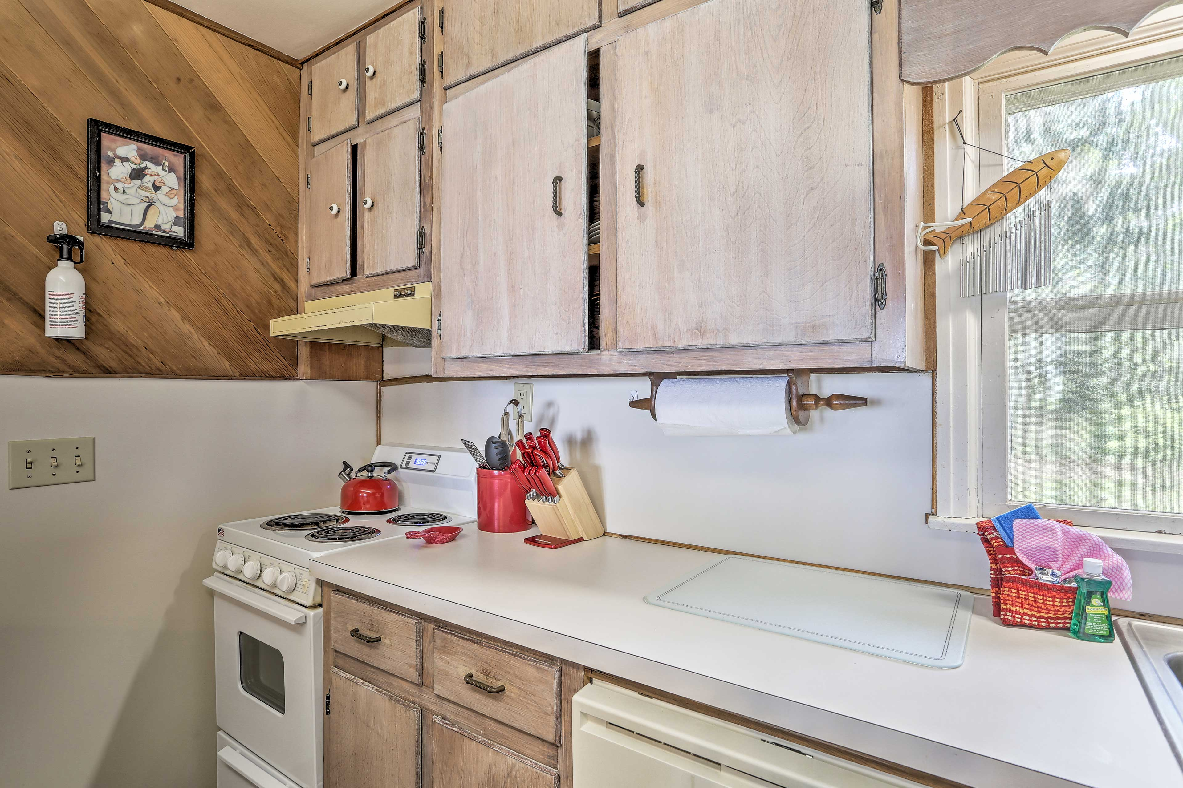 Prepare home cooked meals in this fully equipped kitchen.