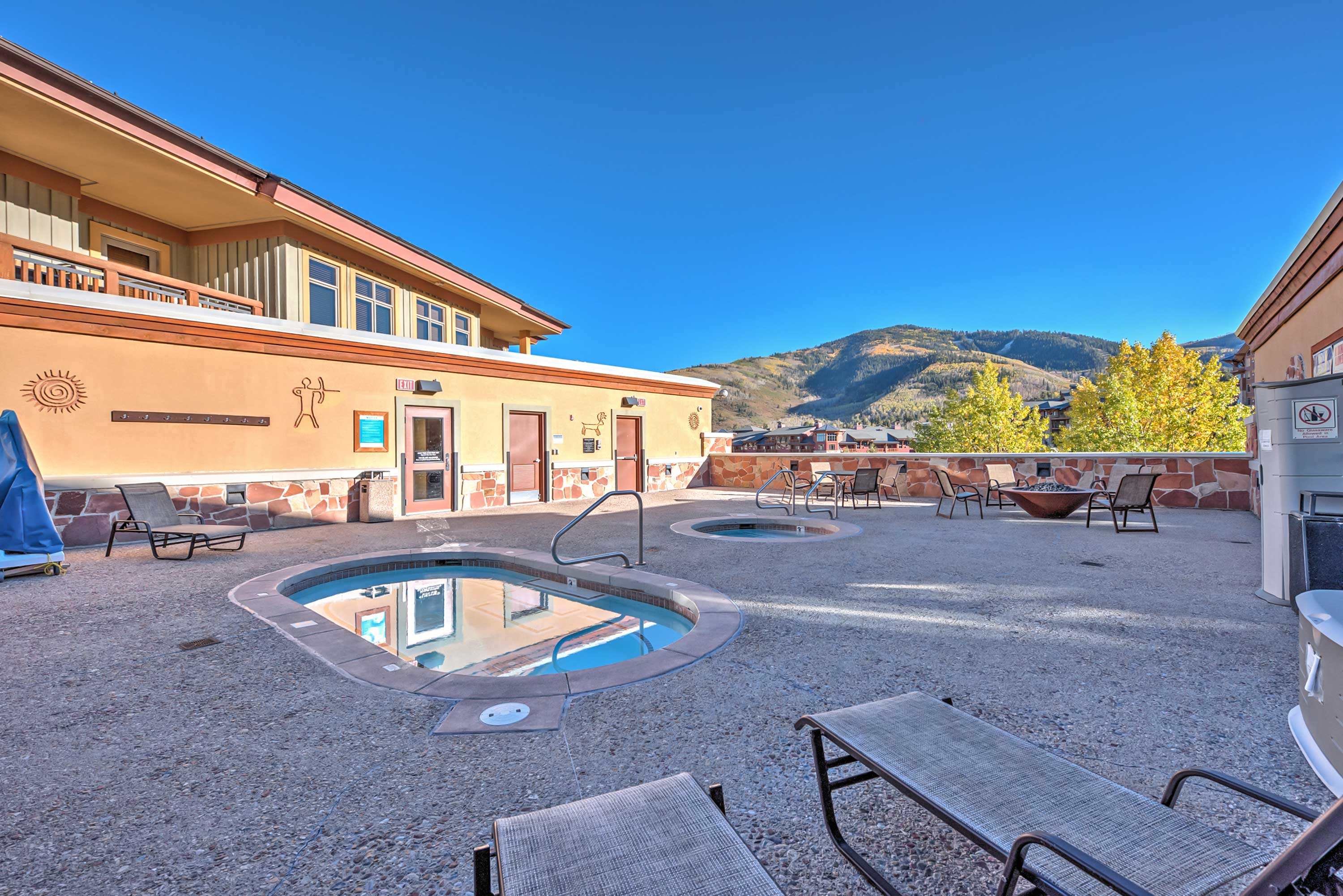 Enjoy drinks in the hot tub or by the fire pit after a long day on the slopes!