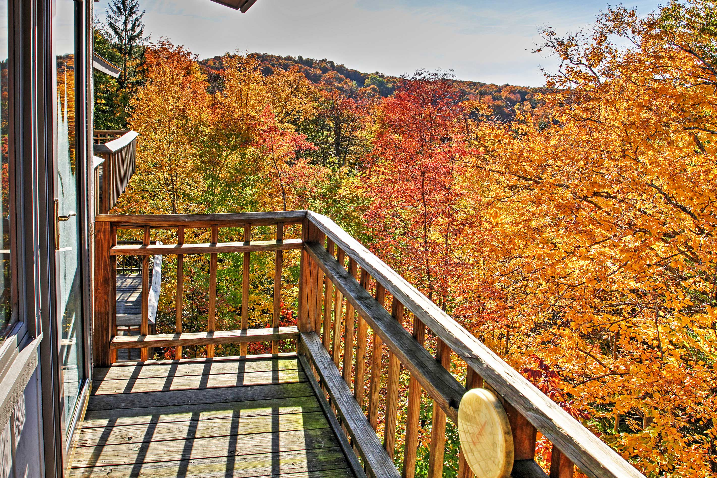 Experience natural beauty at this 3-bedroom, 2.5-bath vacation rental townhouse!
