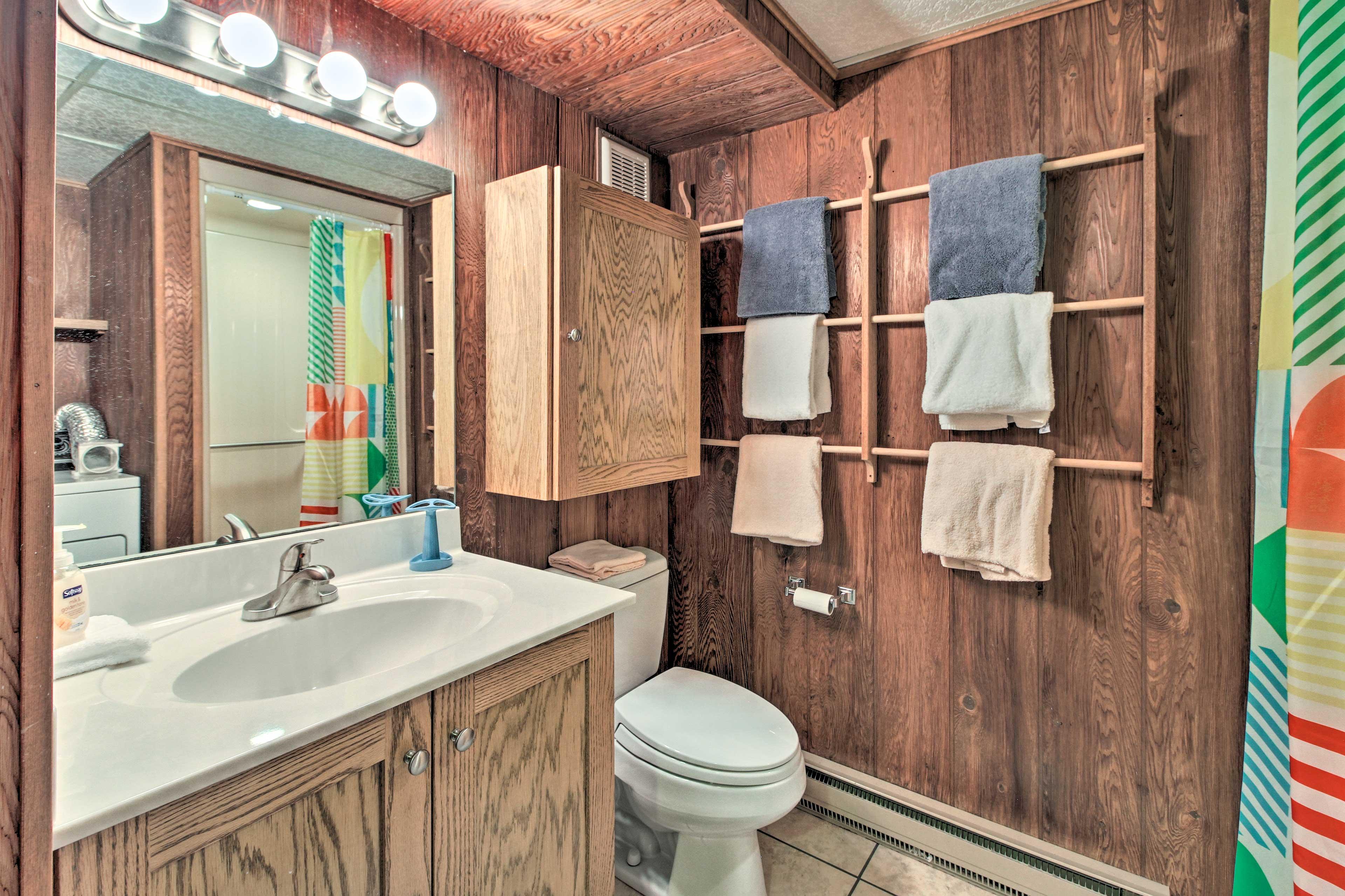 The condo has 2.5 bathrooms.