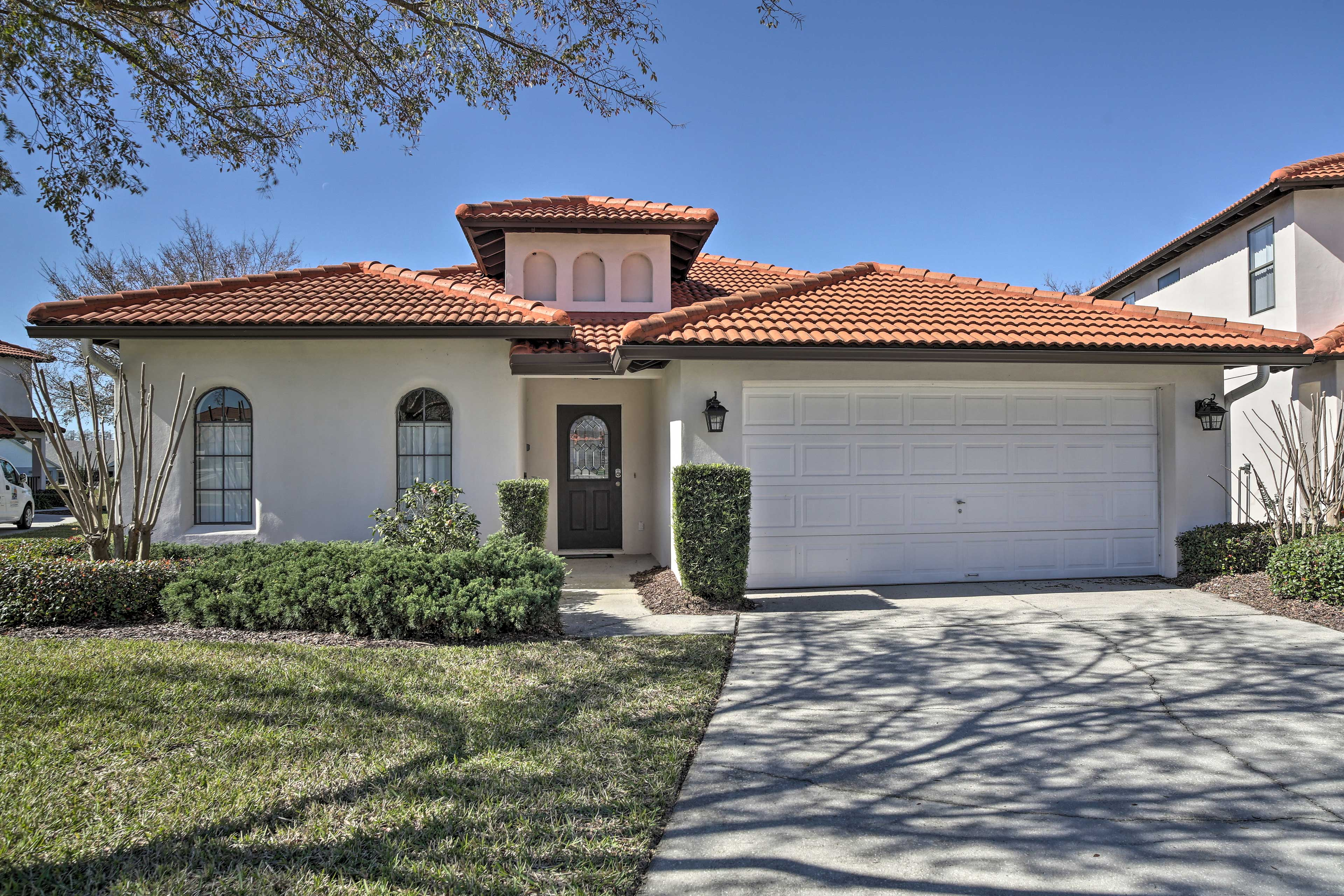 Let this lovely villa be your home base during your Clermont adventures!