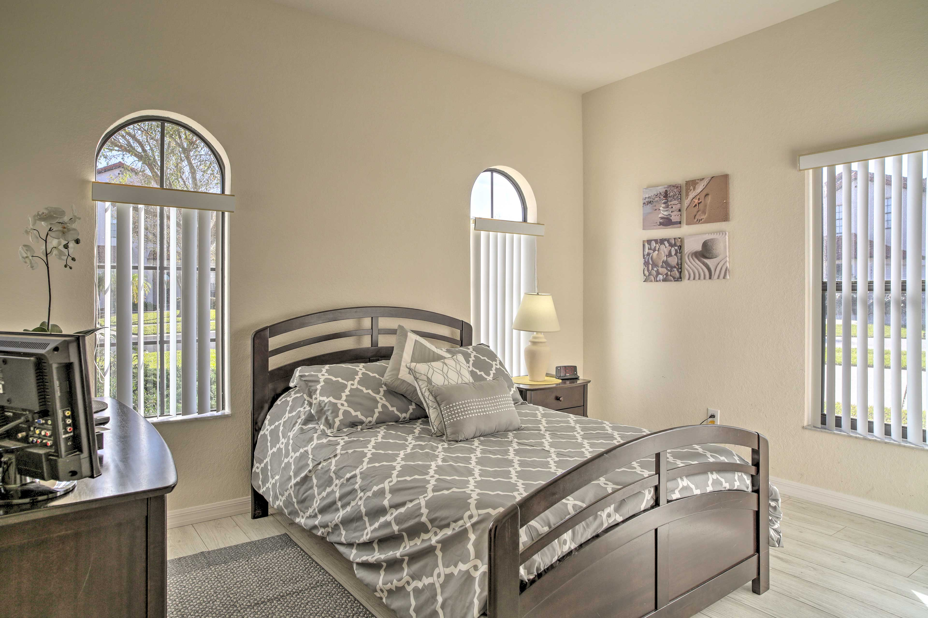 This full-sized bed guarantees many great nights of sleep.