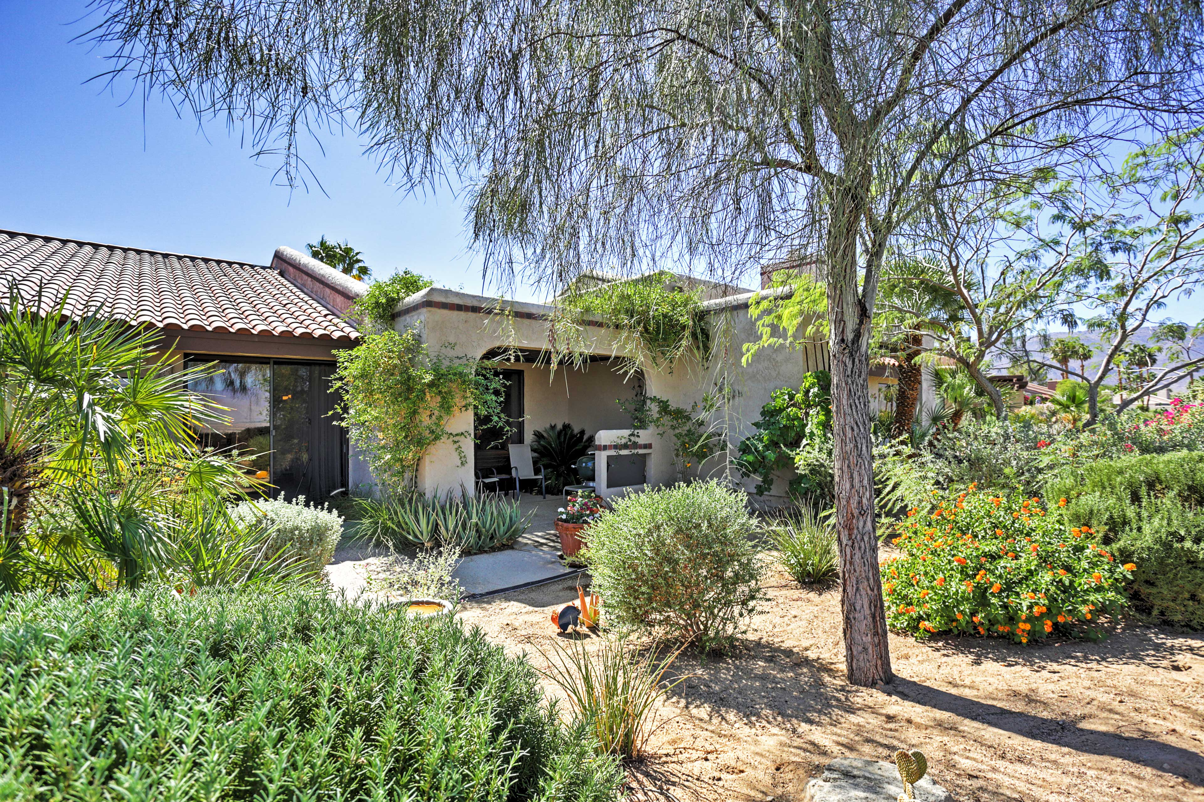 You'll find the flora and fauna of California sprinkled throughout the property!