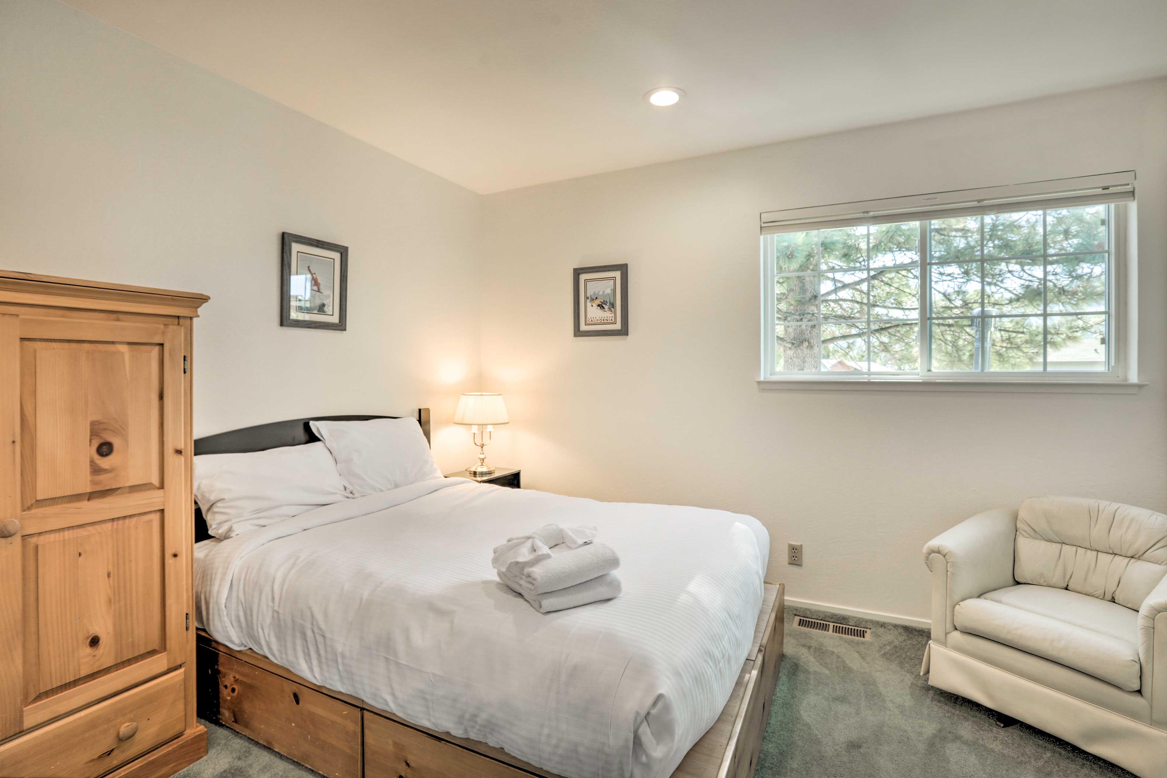 Enjoy natural light illuminating this room!
