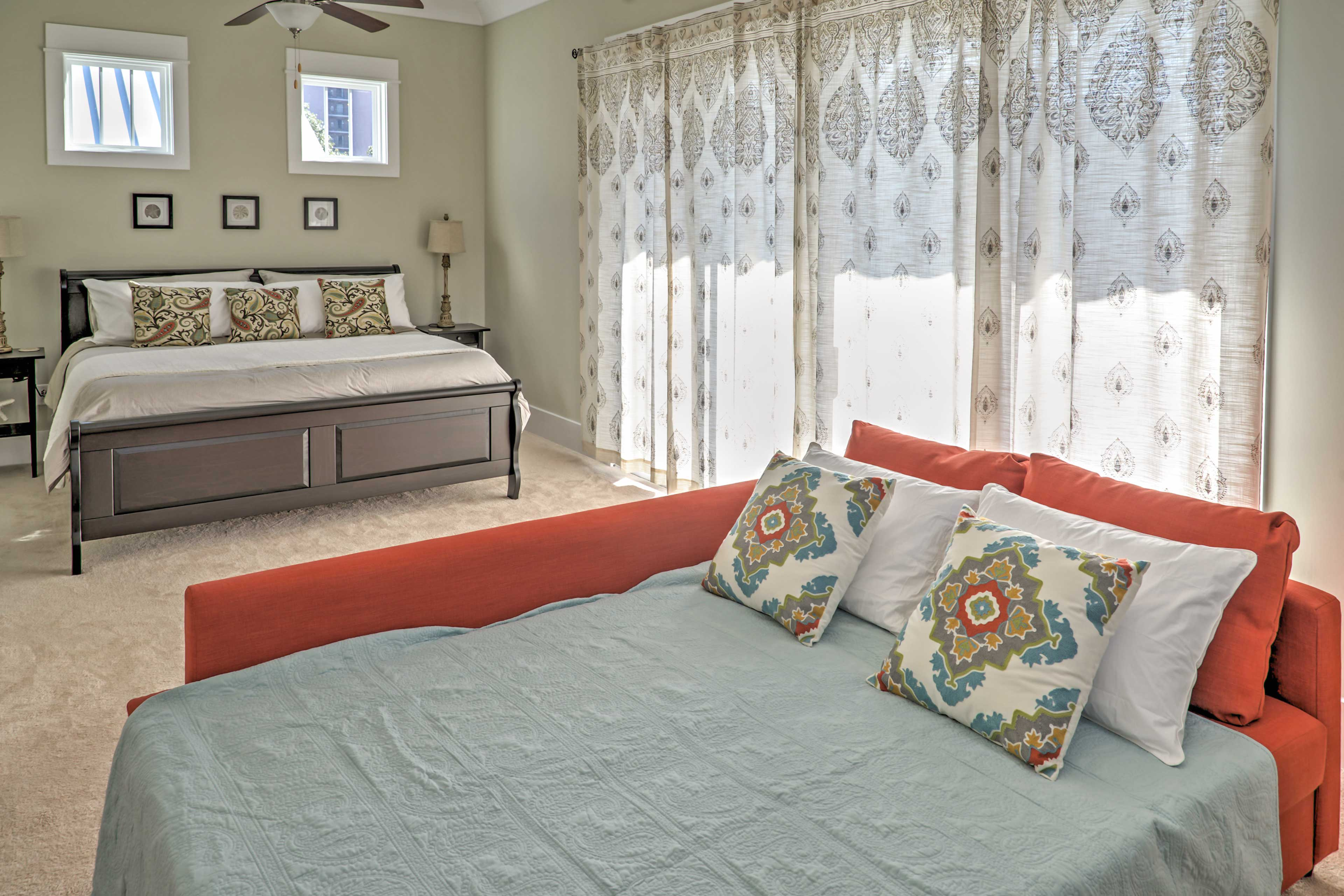 A pull out bed in the master bedroom offers sleeping accommodations for 2!
