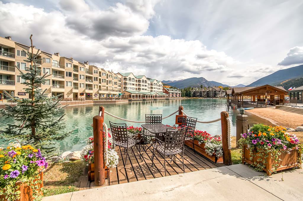 You'll never want to leave this Rocky Mountain paradise!