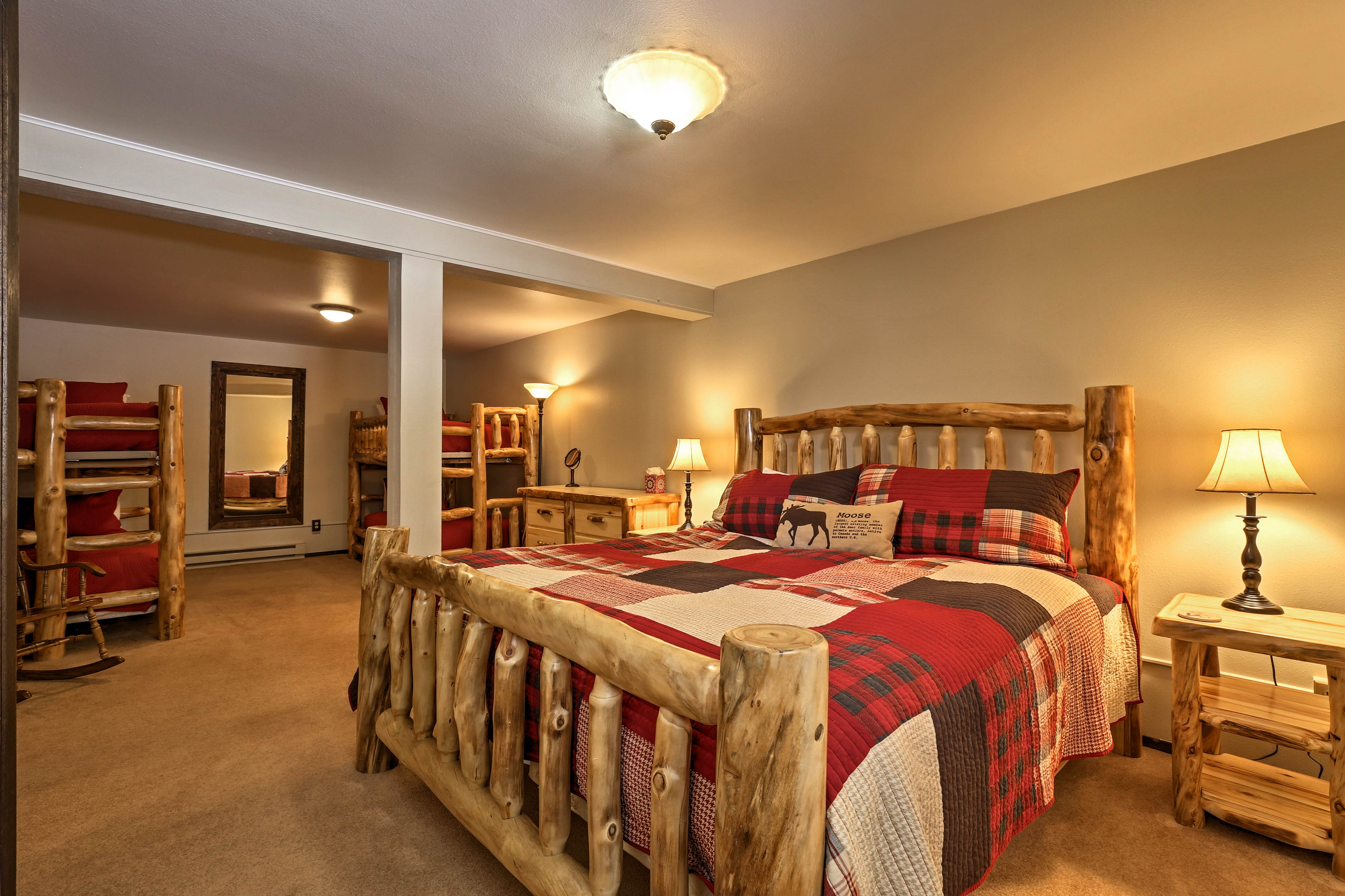 Choose between a king bed, or 2 twin-over-twin bunk beds.