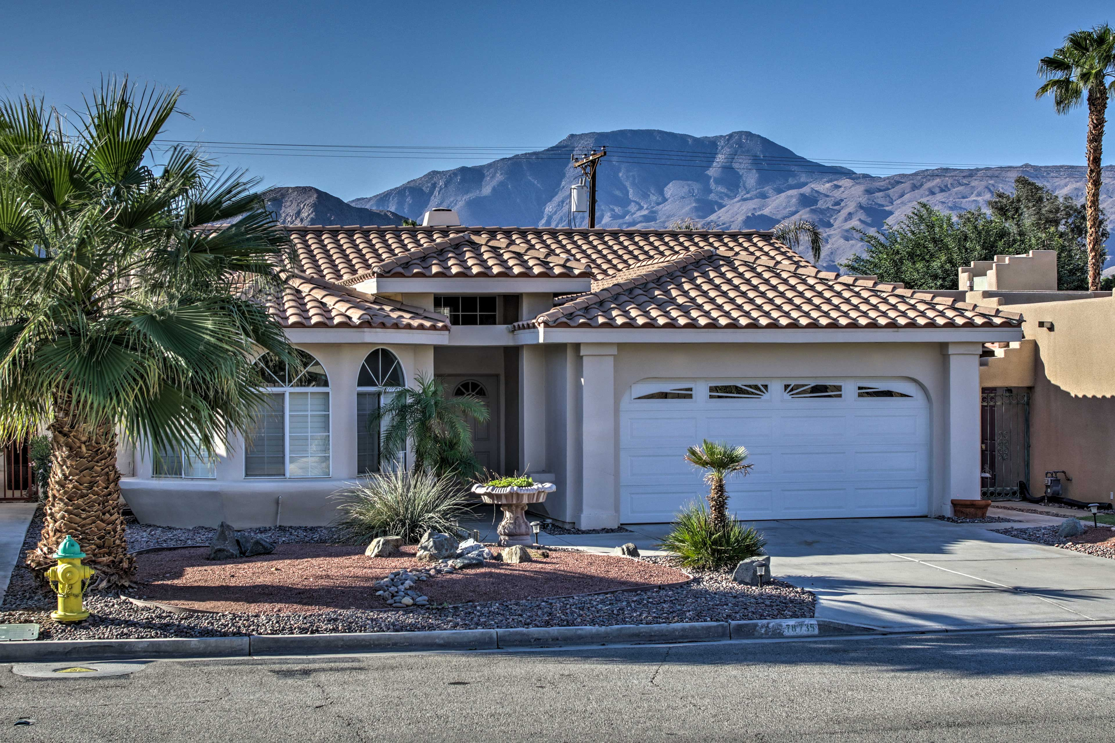 Have the ultimate La Quinta vacation with this bright home.