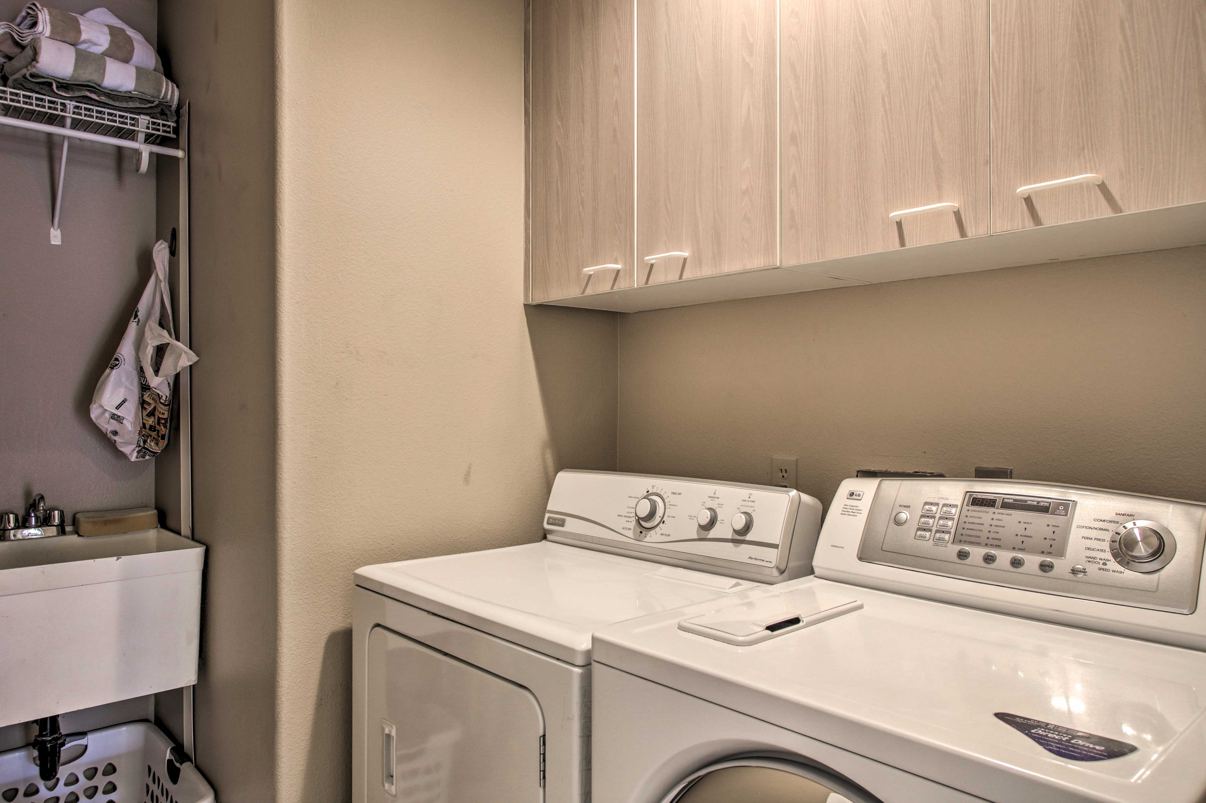 In-unit laundry machines ensure your clothes stay fresh and clean!