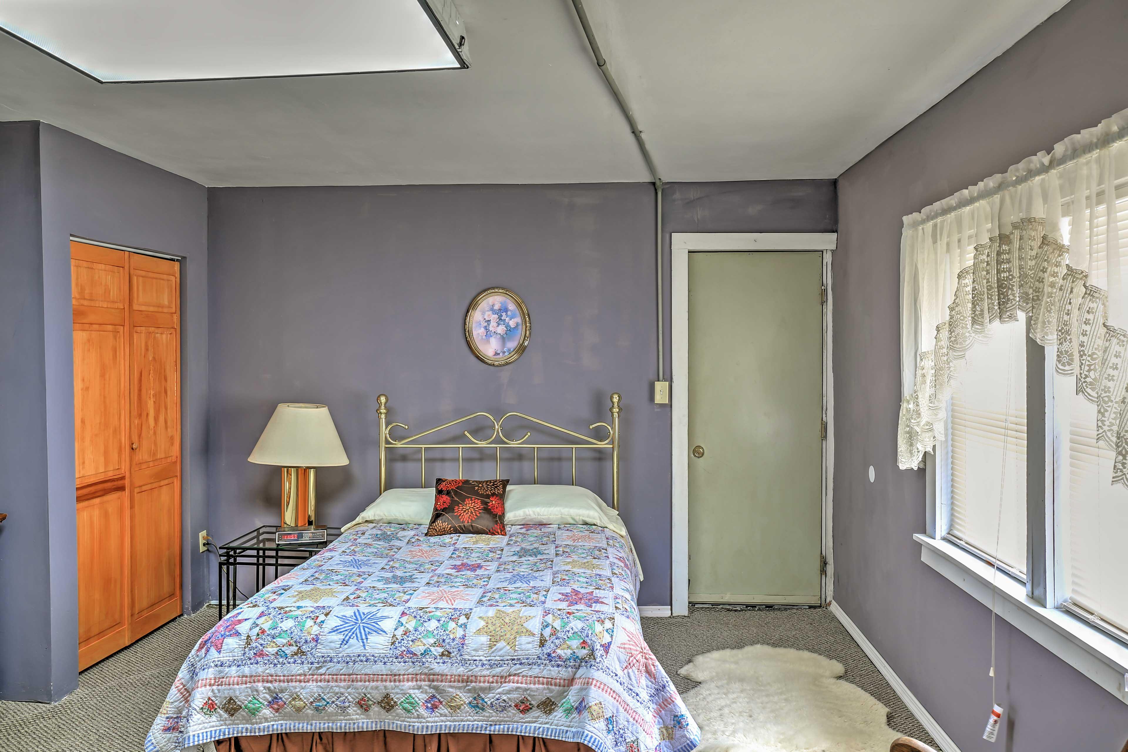 Two bedrooms offer queen beds.