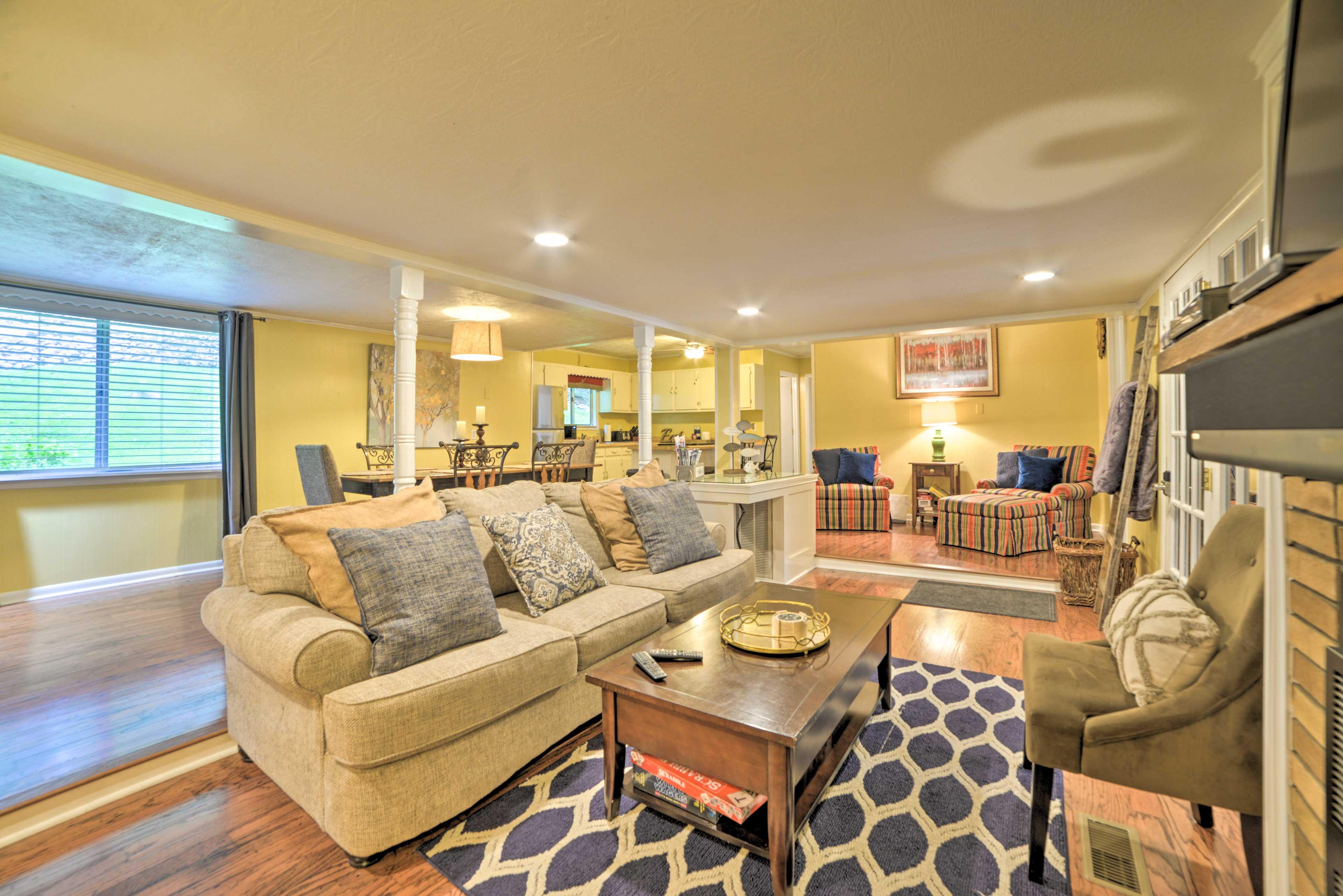 Living Room | 1,500 Sq Ft