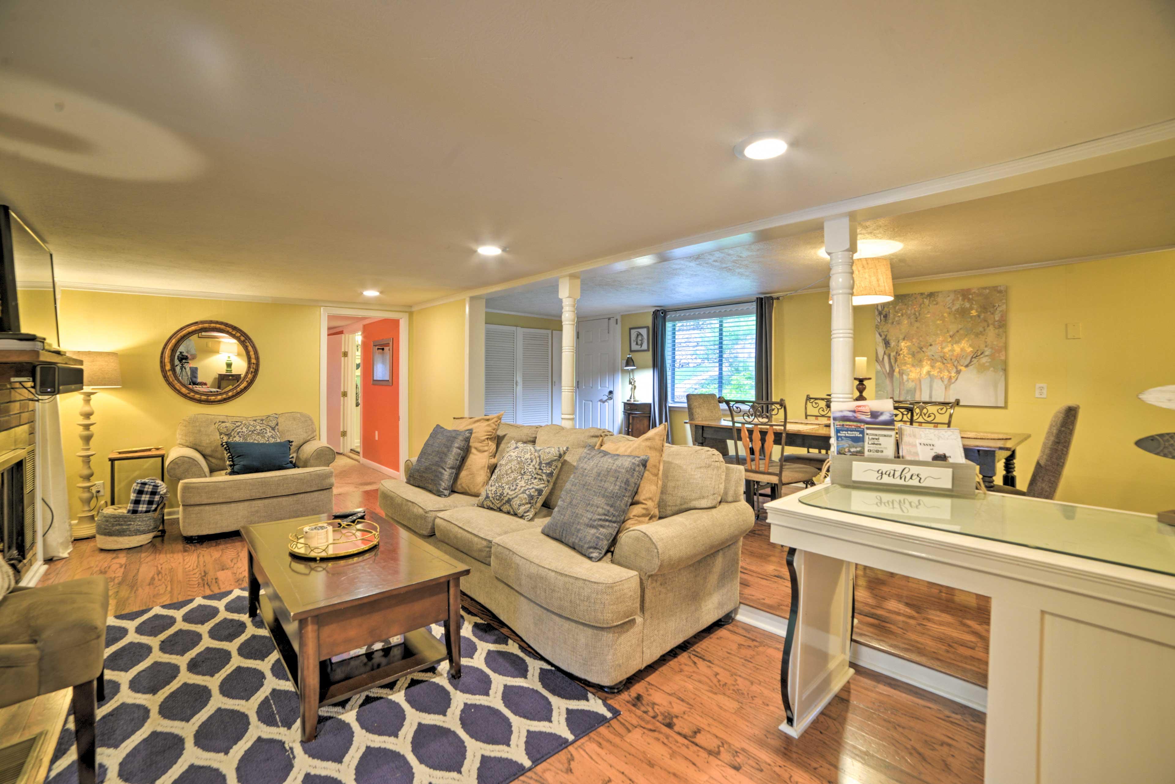 Living Room | Free WiFi