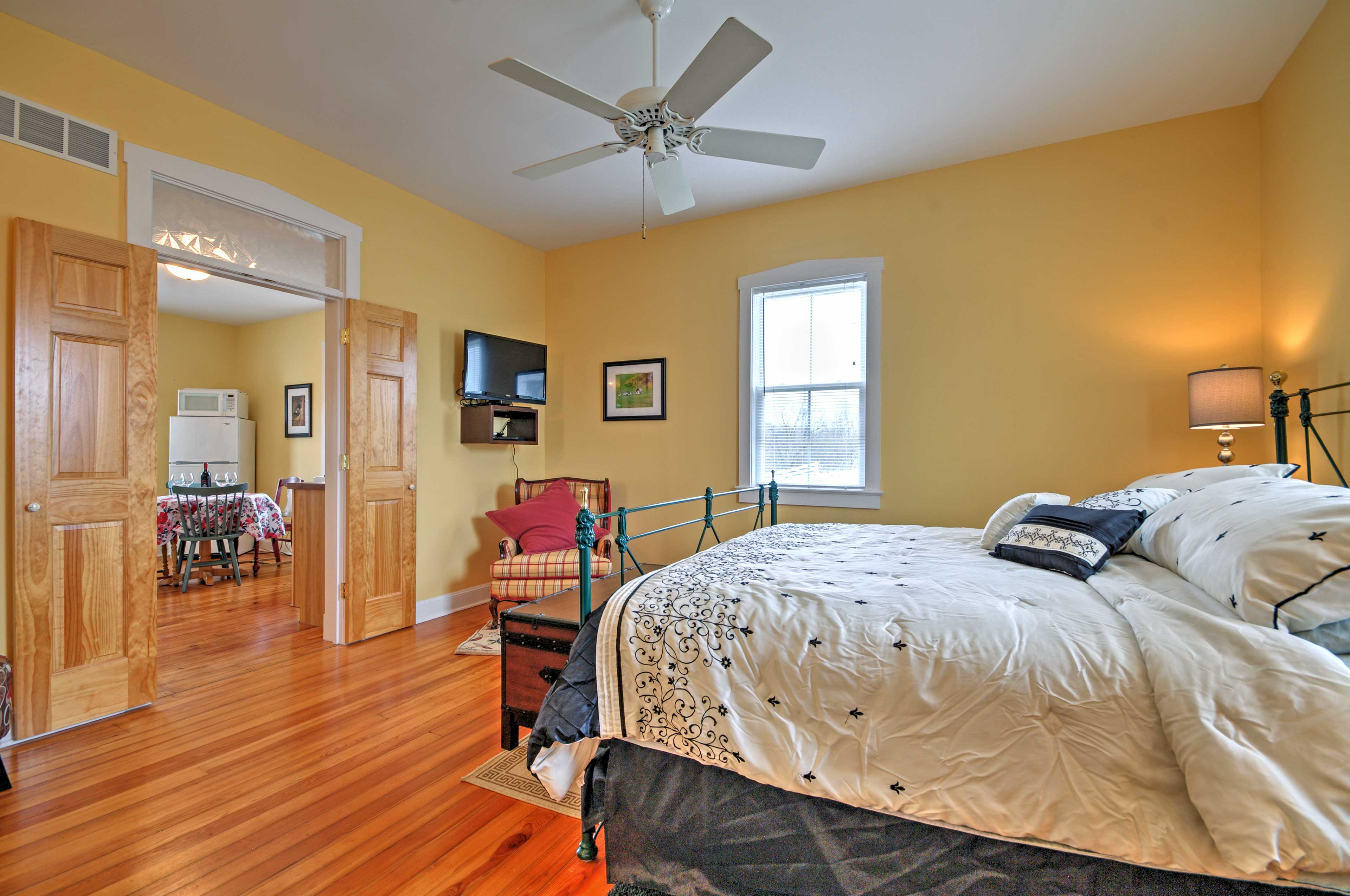 Escape the stresses of everyday life and stay at this vacation rental apartment.