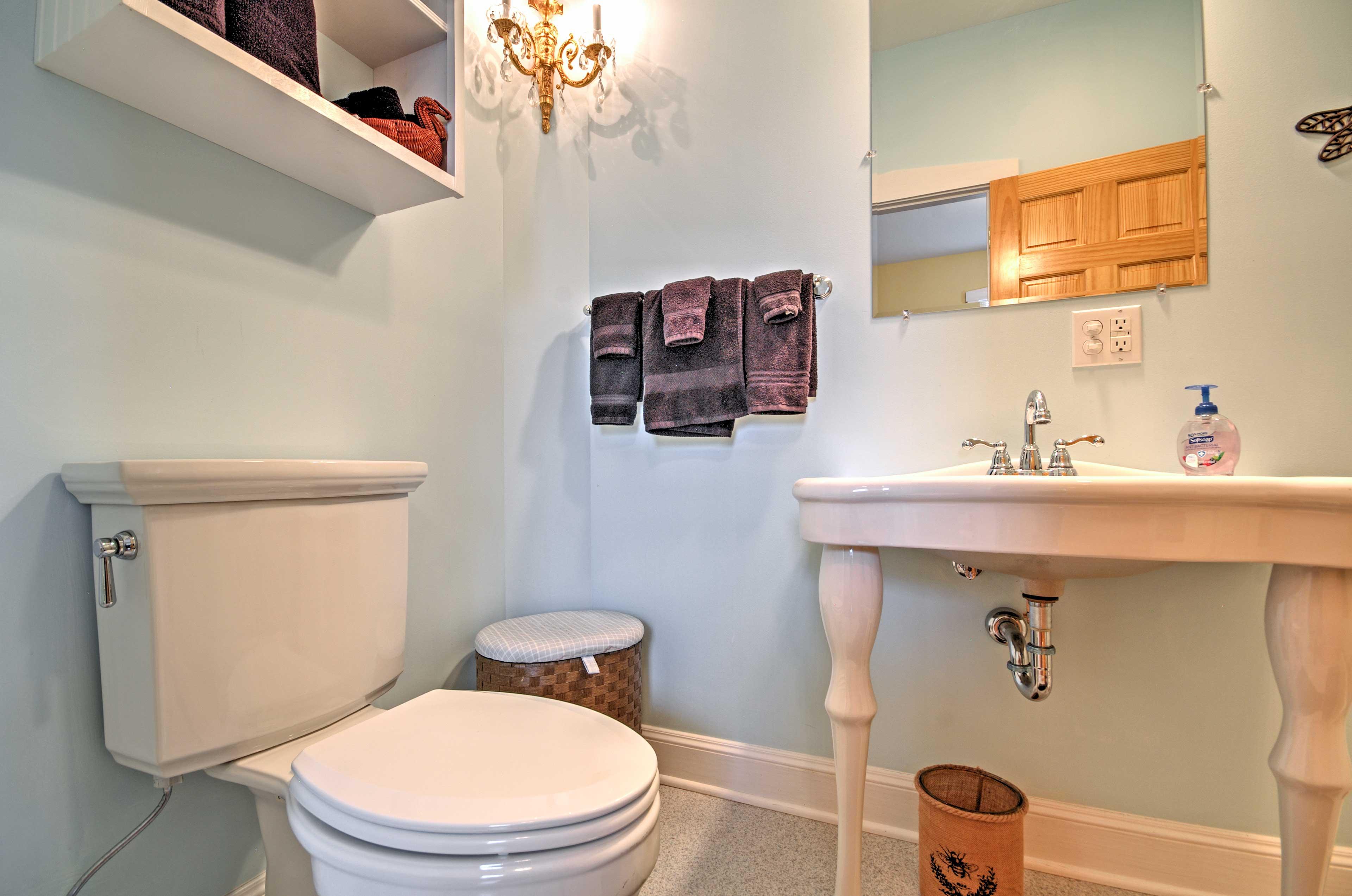 The home has 1 bathroom.