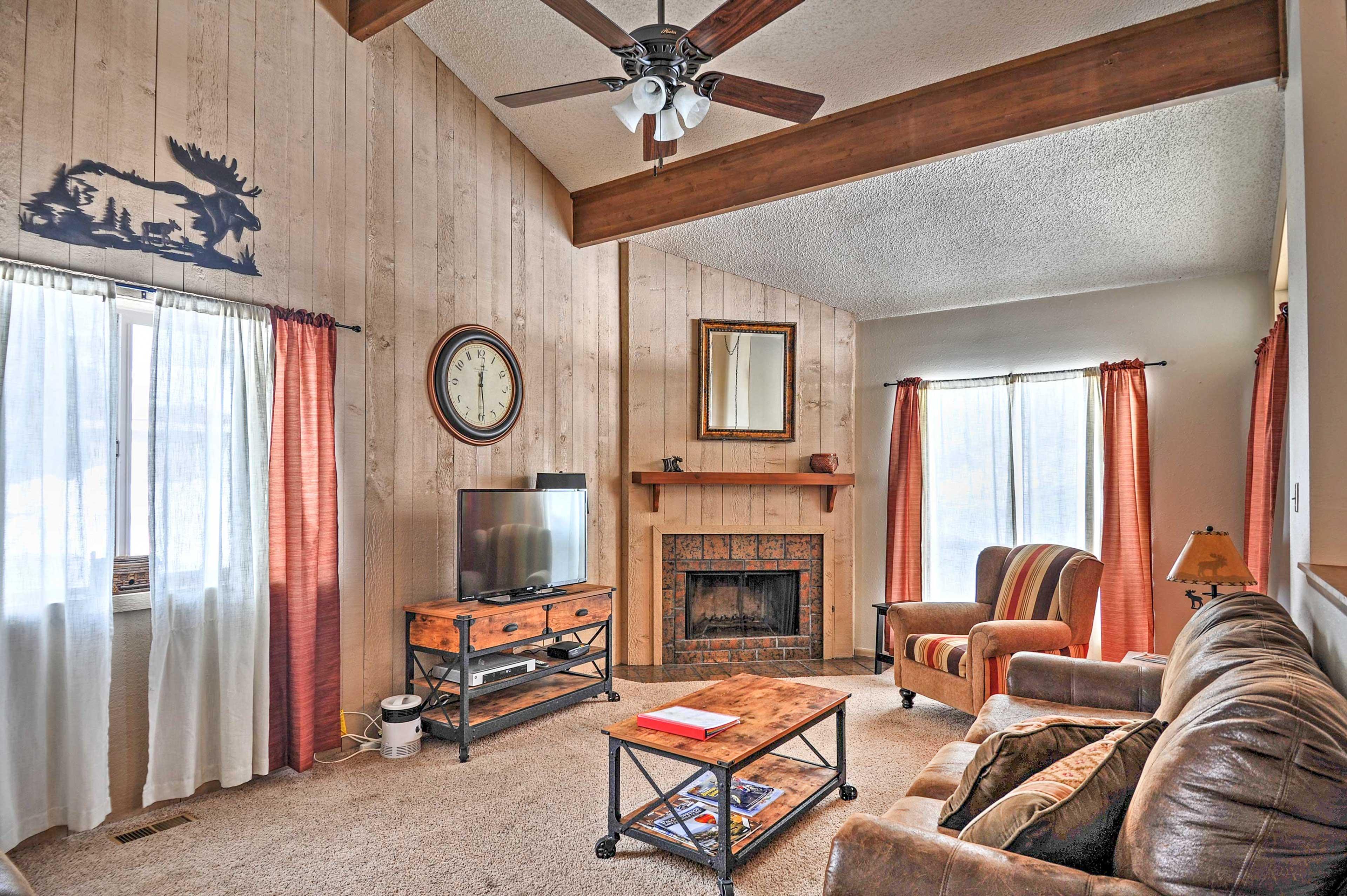Escape to this cozy 2-bed, 2-bath Pagosa Springs vacation rental condo.