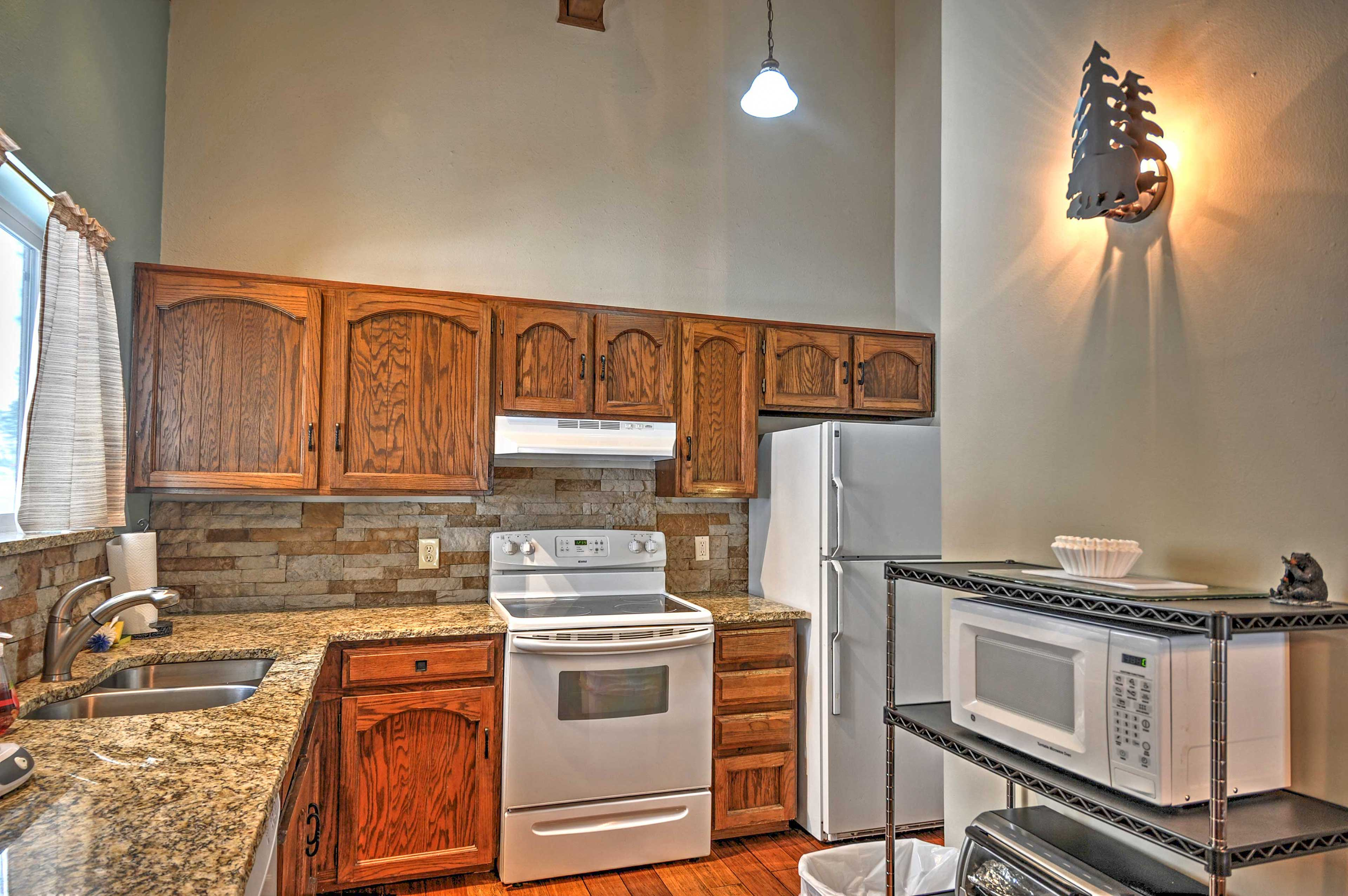 The fully-equipped kitchen is perfect for preparing tasty treats!